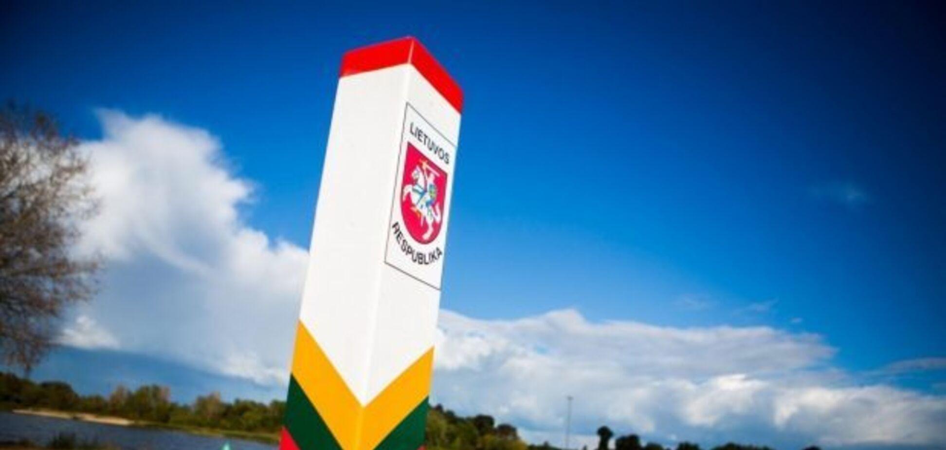 Литва встановлює огорожу з колючого дроту на кордоні з Білоруссю