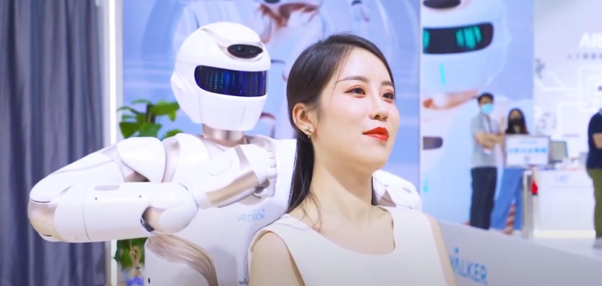 У Китаї презентували оновленого людиноподібного робота Walker X. Відео