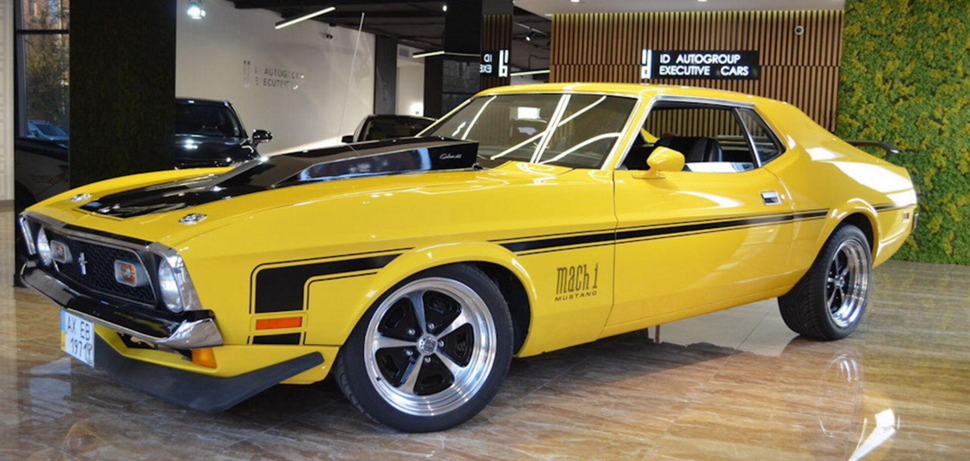 У Києві помітили рідкісний суперкар із 70-х. Відео