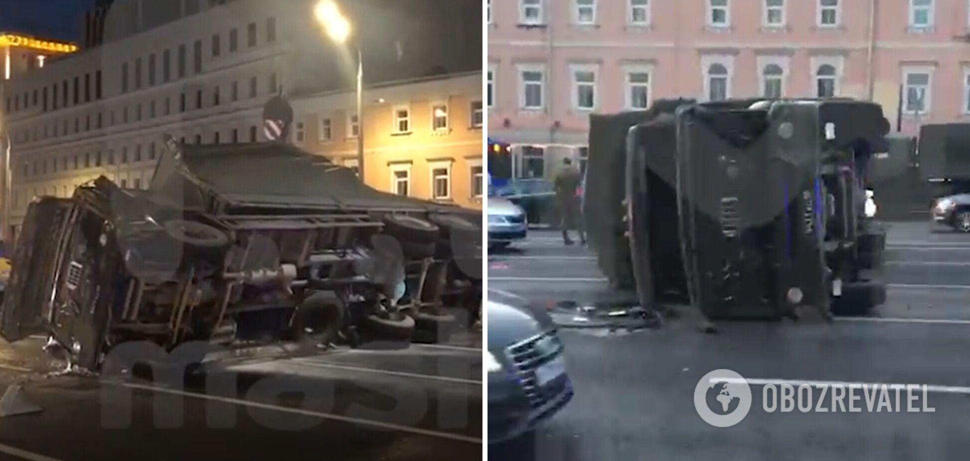 У Москві перекинувся військовий КамАЗ