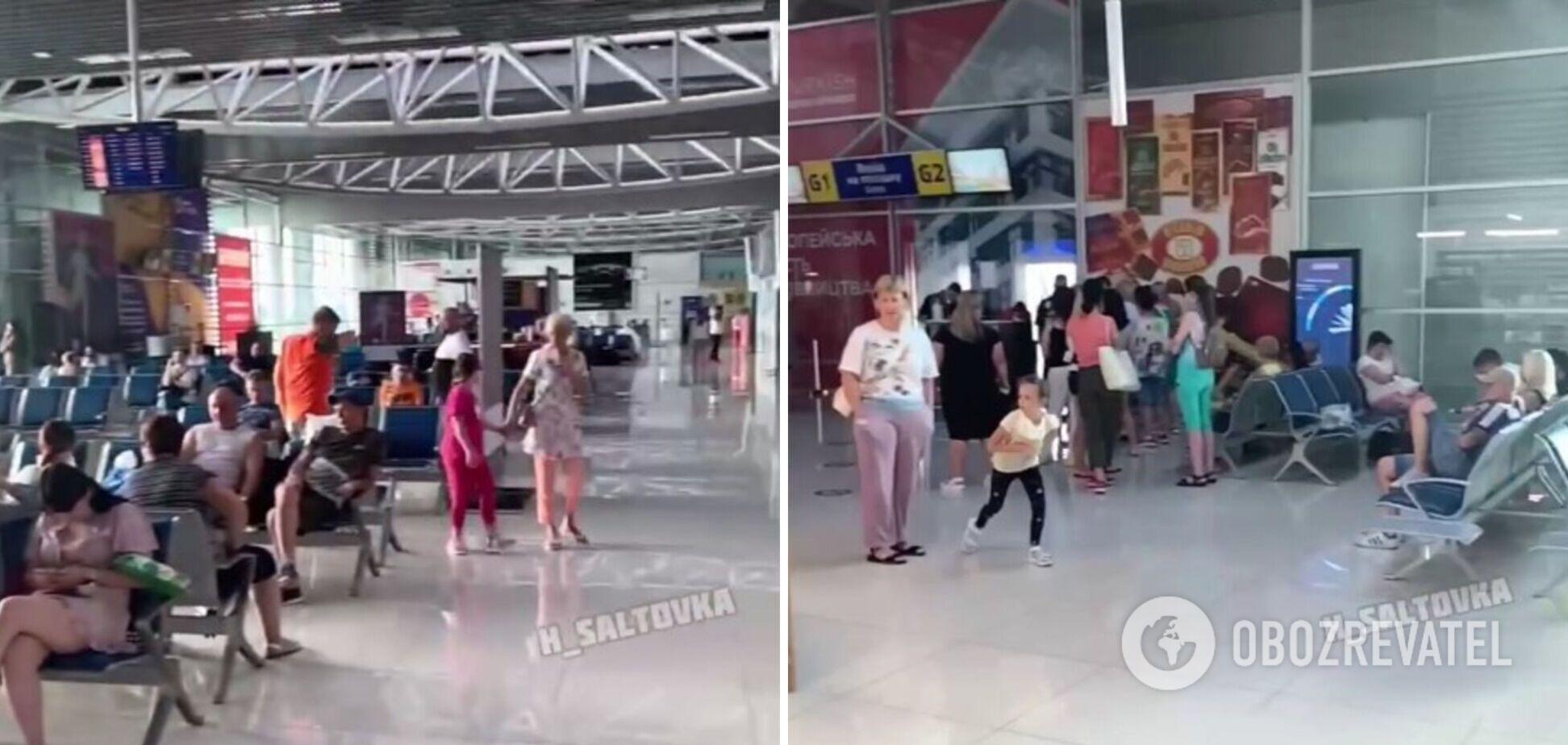 В Харькове туристы с детьми застряли в аэропорту