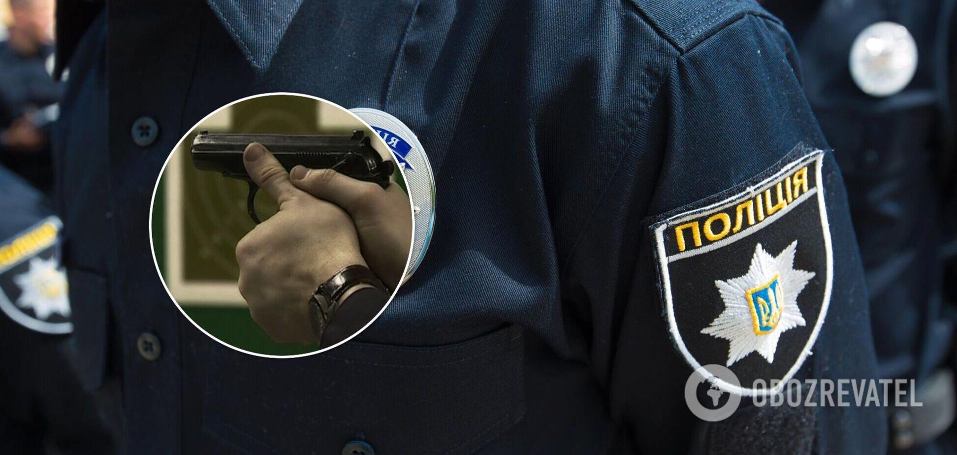 В Одессе полицейский выстрелил себе в живот, пытаясь поймать пистолет
