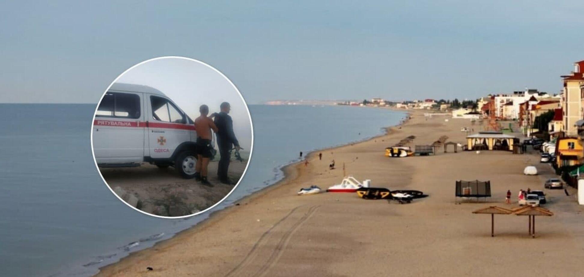 В Затоке утонул турист из Черкасской области, его 13-летнего сына нашли мертвым. Фото