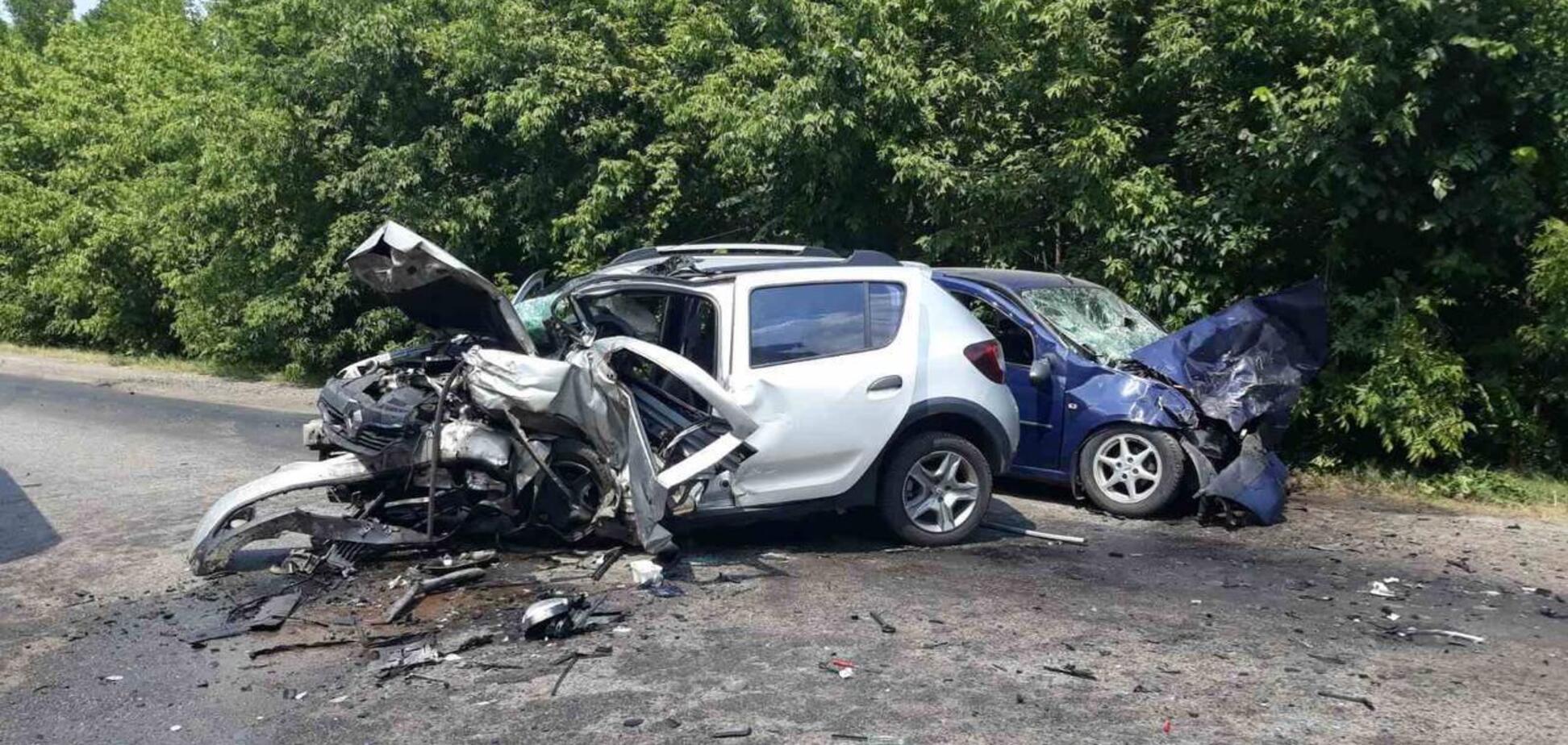 У смертельній ДТП на Харківщині постраждали четверо, серед них – 2-річна дівчинка. Фото