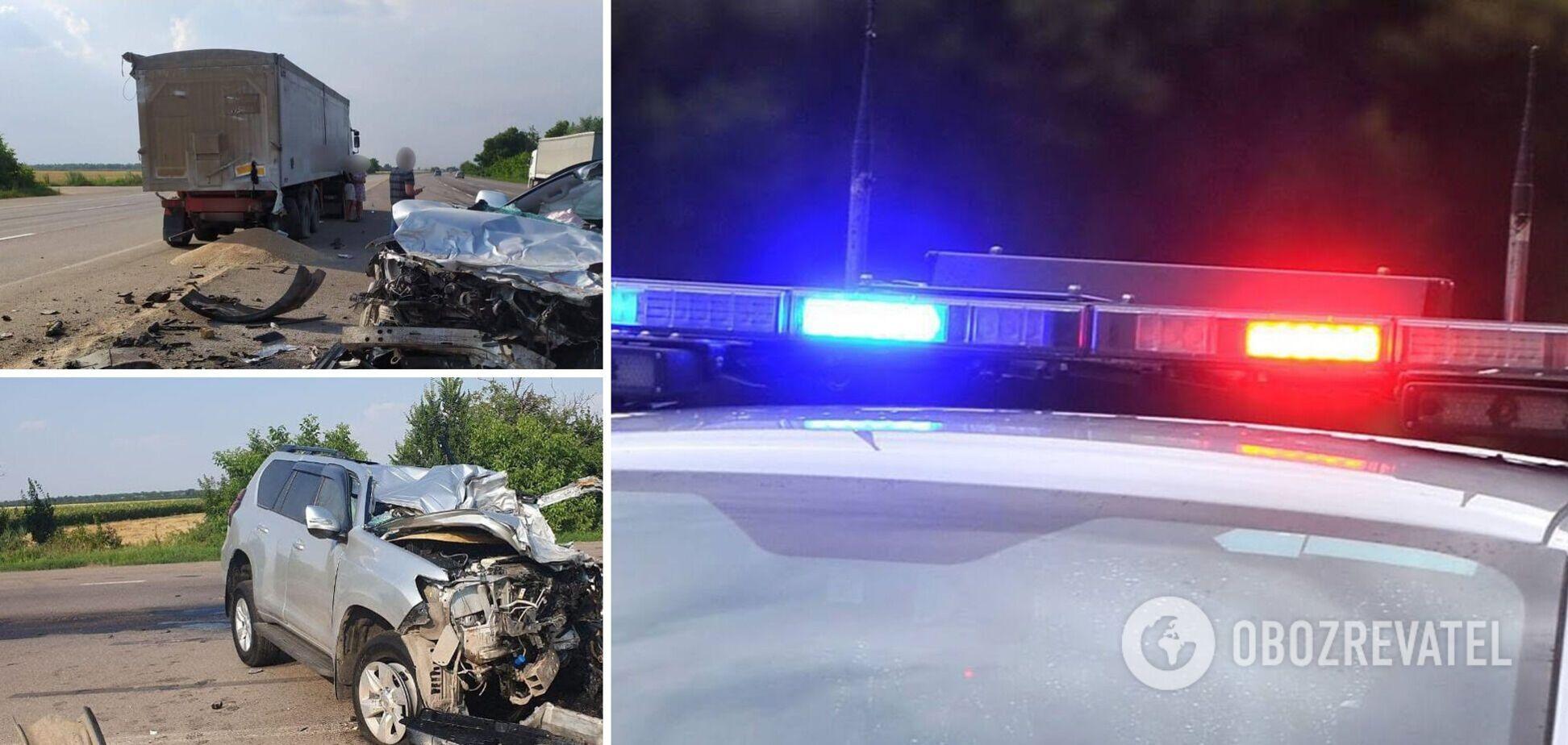 Под Одессой внедорожник разорвало от столкновения с грузовиком: погиб чиновник автодора. Фото и видео 18+