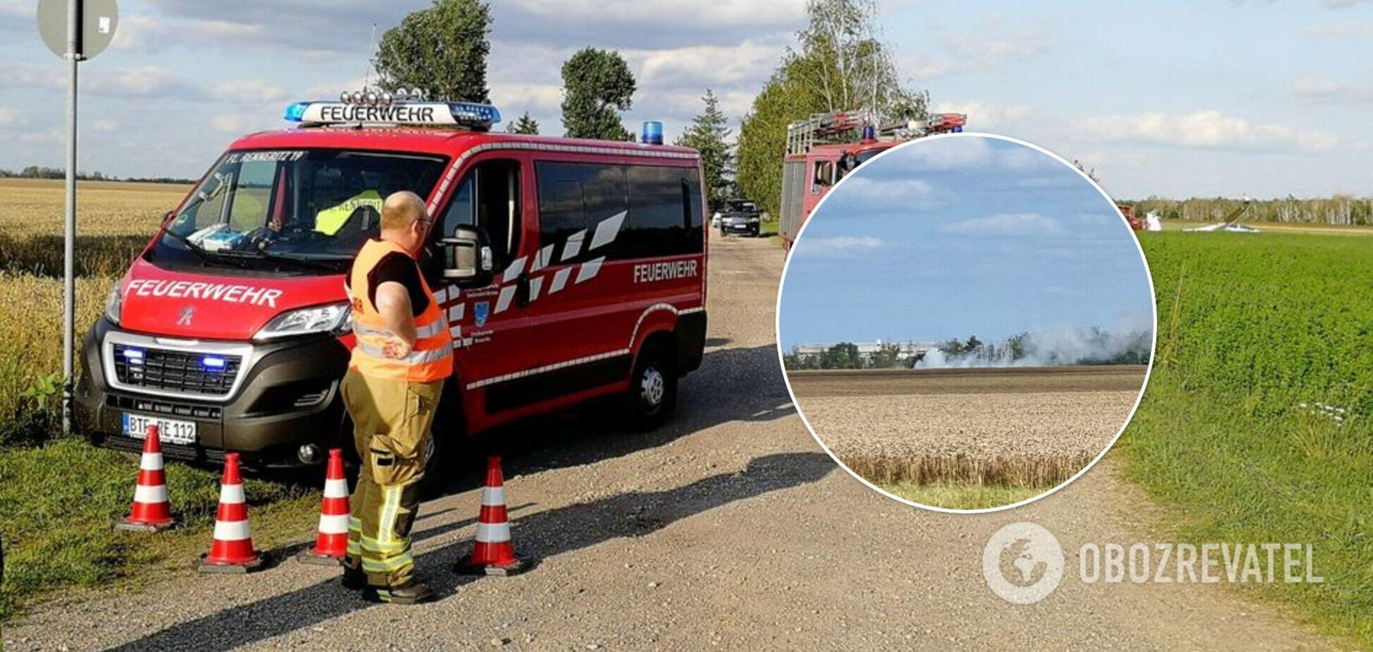У Німеччині впав літак із пасажирами, серед загиблих підлітки. Фото