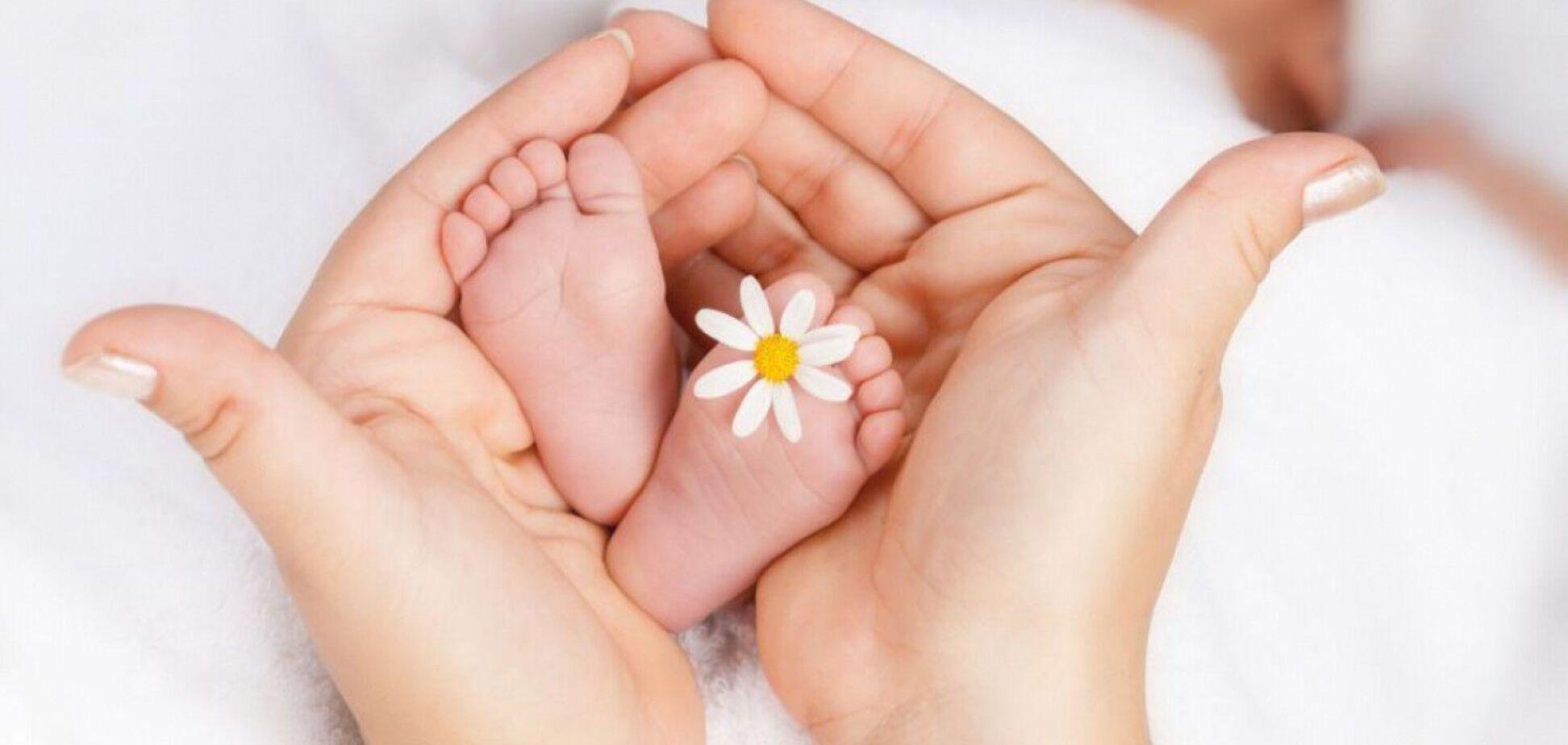 Время первого секса и рождения ребенка заложены в ДНК человека – британские ученые