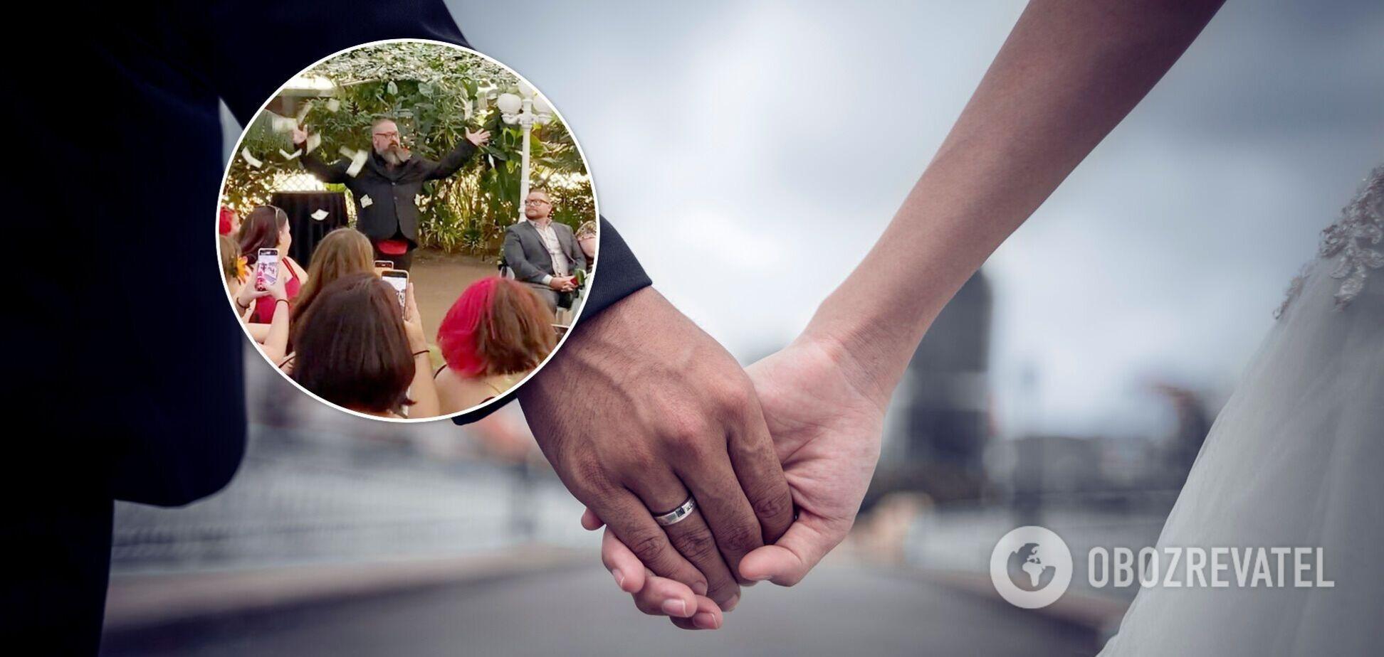Мужчина на свадьбе забросал гостей деньгами. Видео