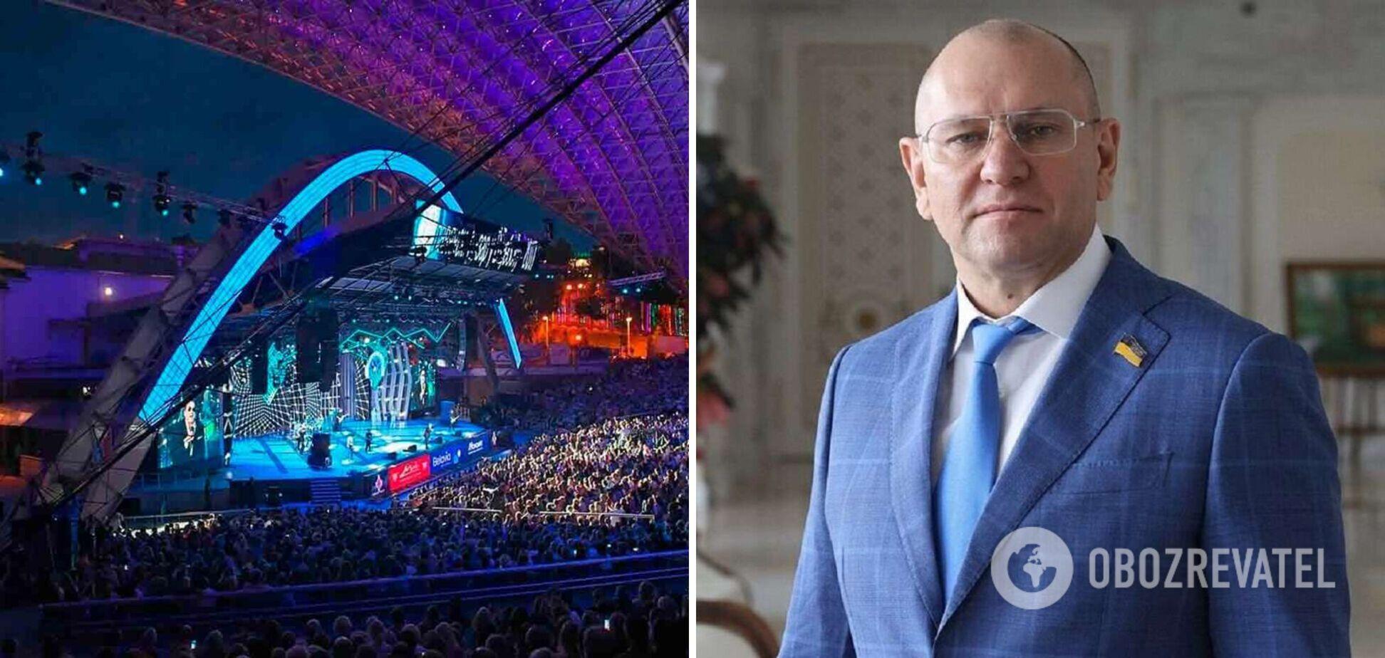 Экс-'слуга' Шевченко спел на 'Славянском базаре' и поблагодарил Лукашенко