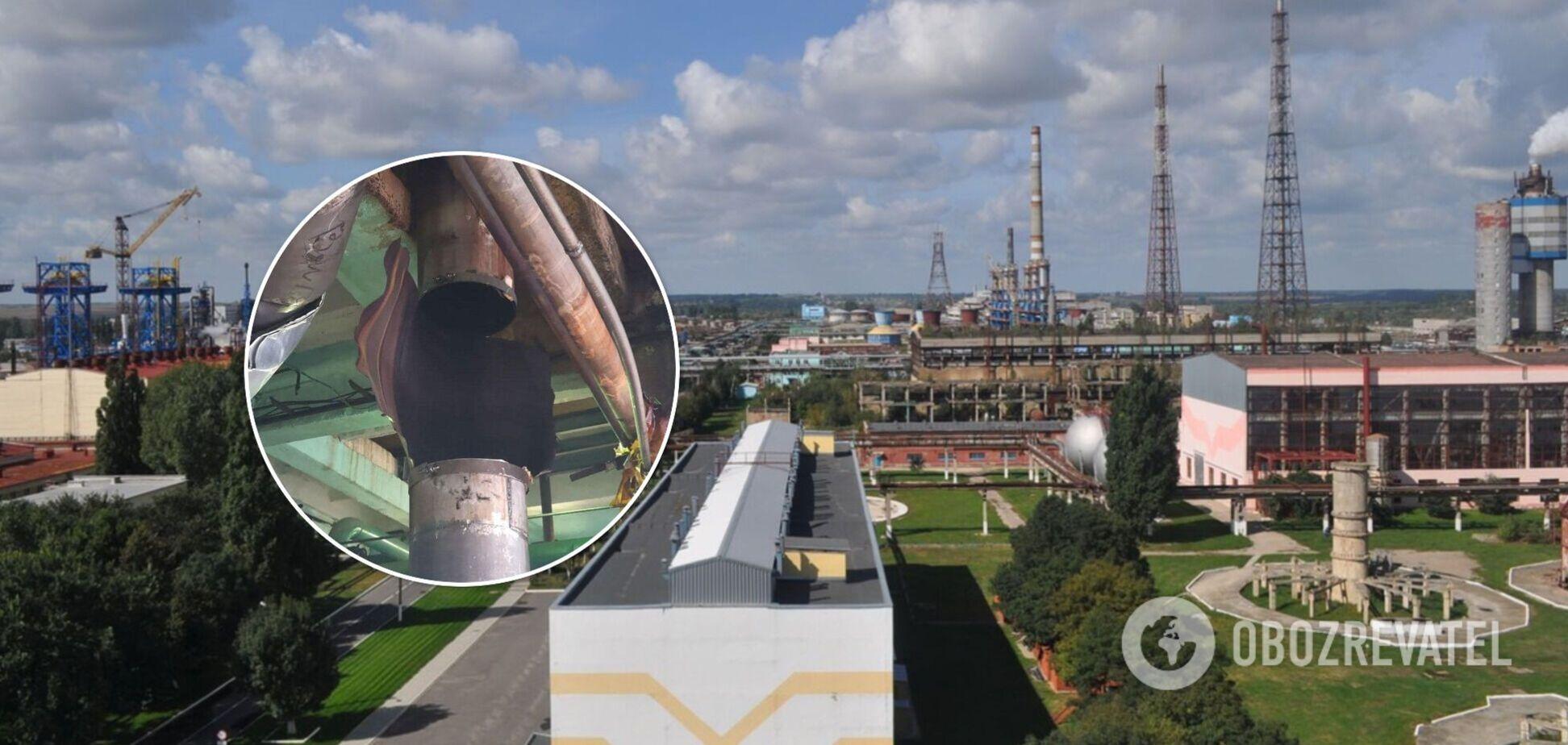 Аварія на заводі 'Рівнеазот': глава МВС показав фото розірваного трубопроводу