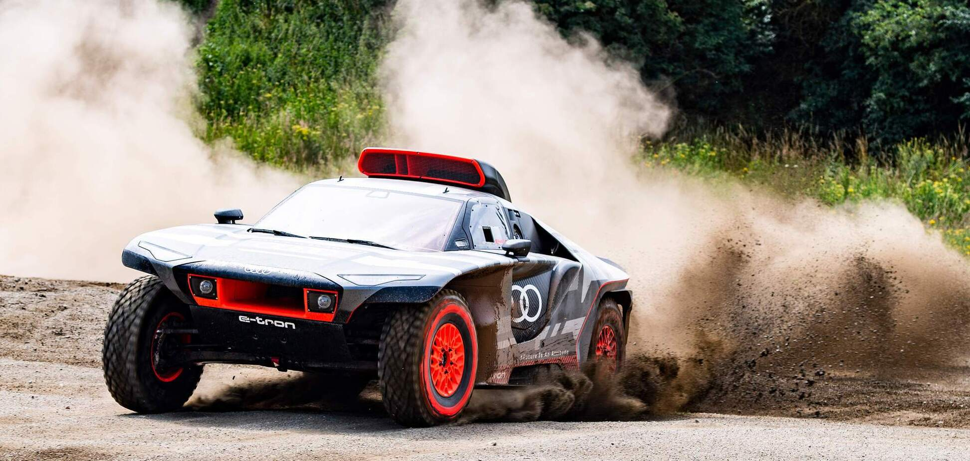 Audi Sport почала випробування боліда RS Q e-tron для ралі Дакар