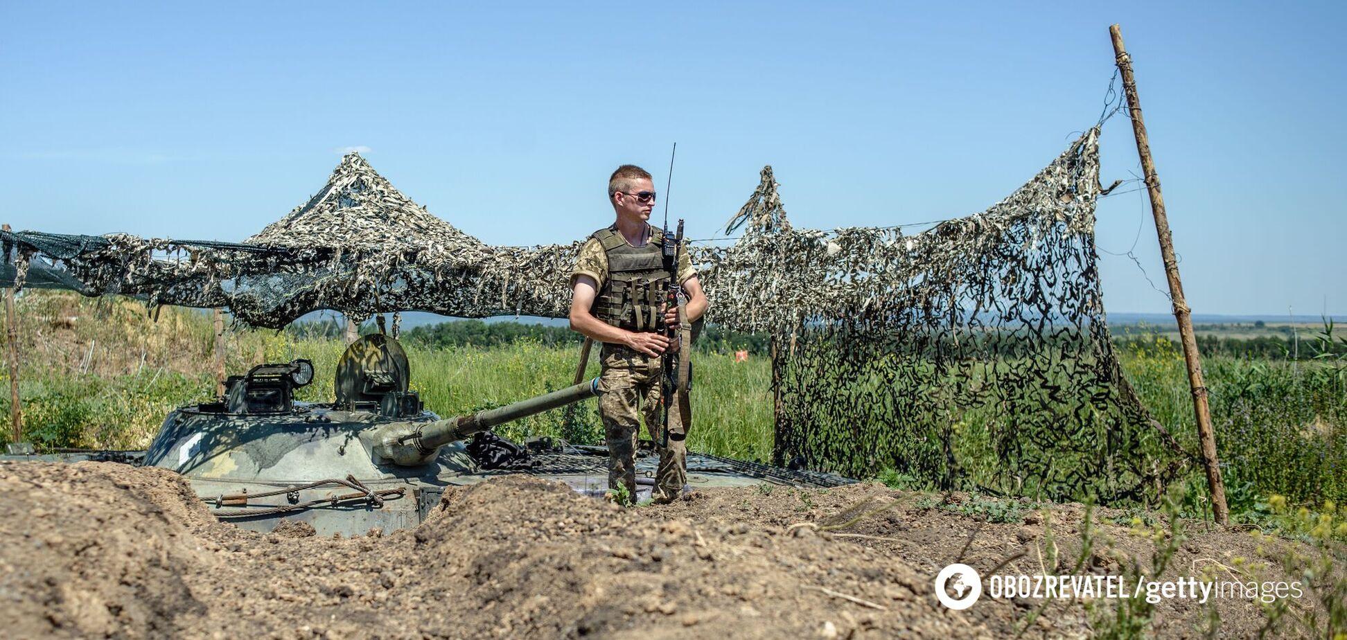За год 'перемирия' на Донбассе погибли 45 украинских военных и 163 получили ранения