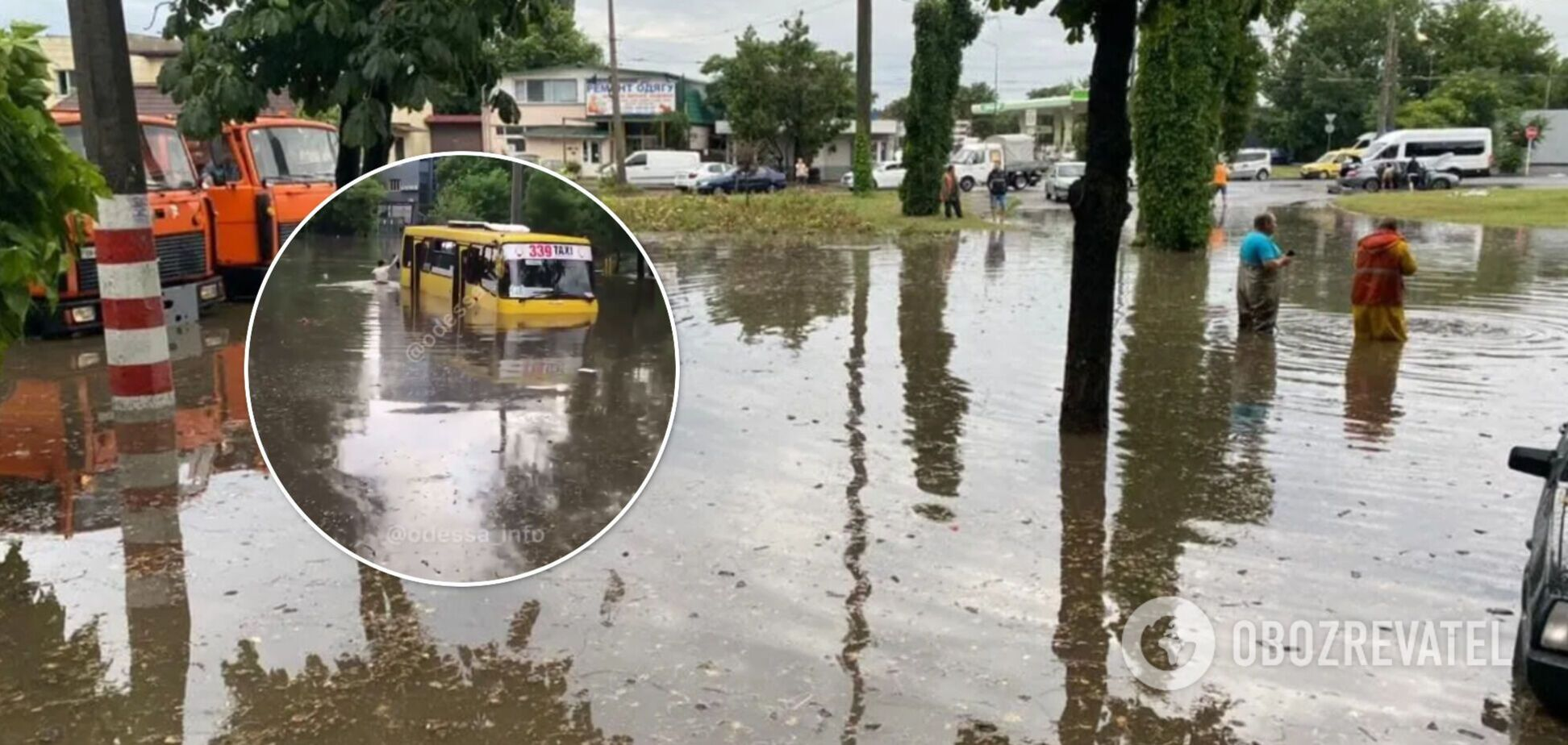 В Одесі маршрутка з пасажирами 'потонула' посеред дороги. Відео