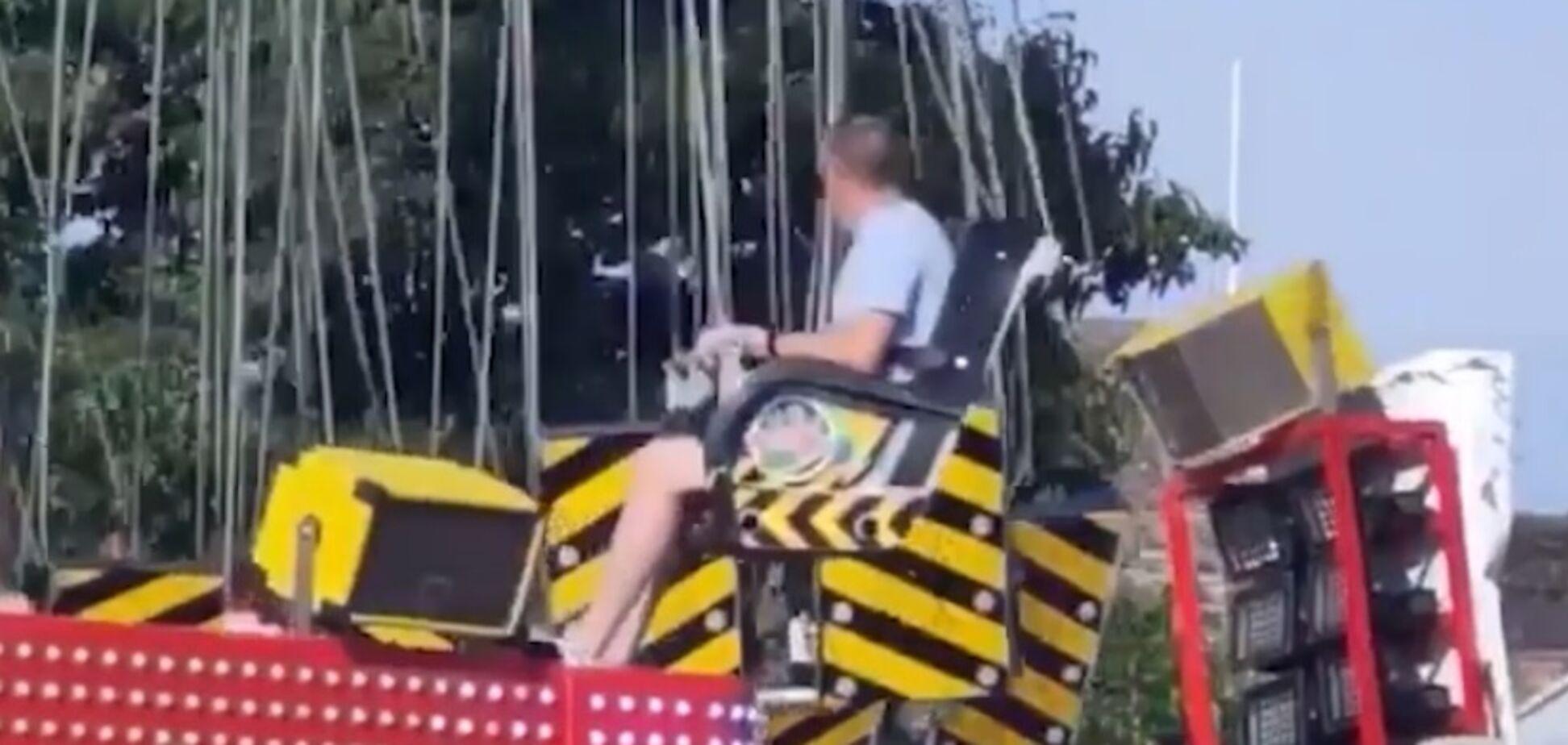 У Північній Ірландії в парку розваг впав атракціон
