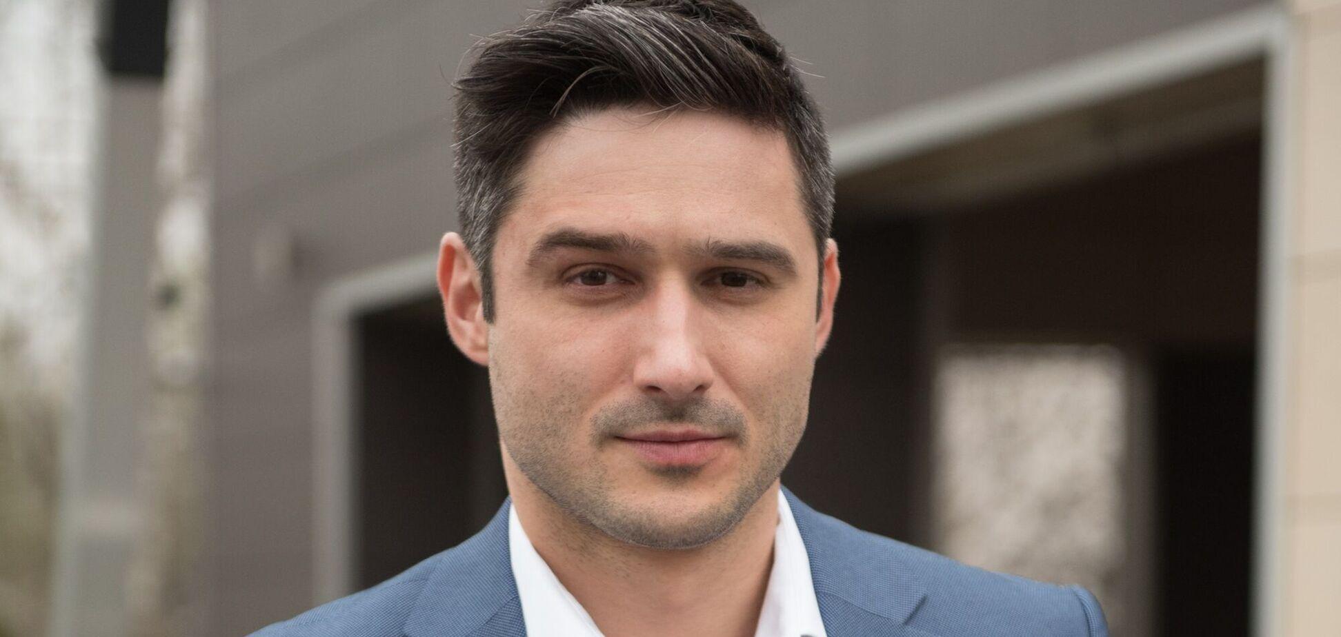 Известный украинский актер устроил скандал посреди улицы и набросился на водителя. Видео 18+