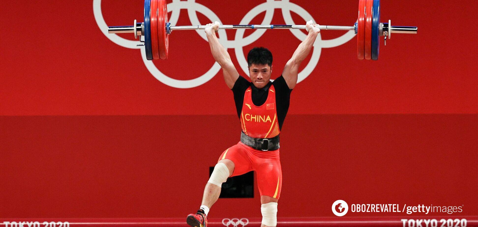 Китайський важкоатлет переміг на Олімпіаді 'прийомом фламінго'