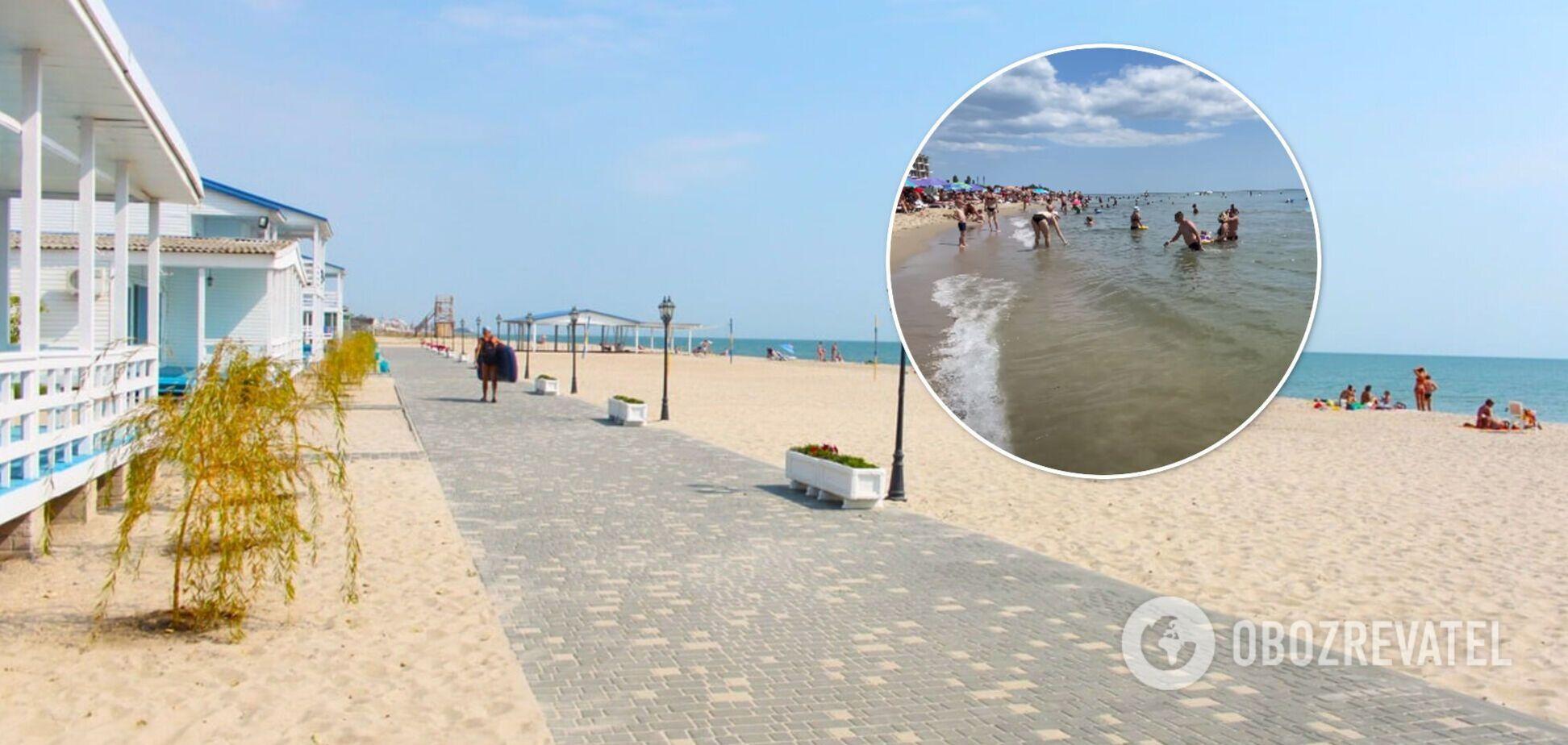 Затока здивувала туристів: вода чиста і тепла, людей багато, а медуз уже немає. Відео