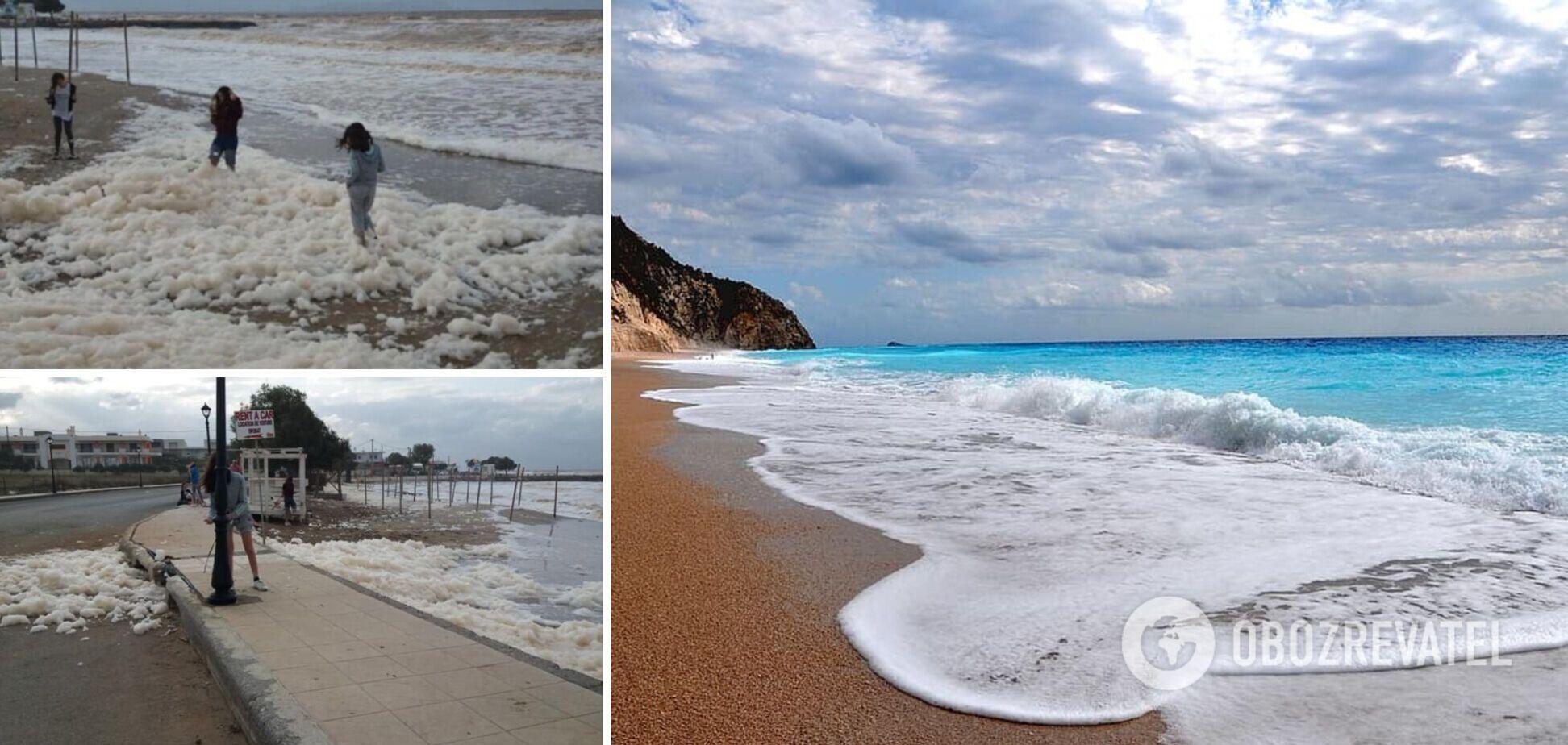 В Греции пляж покрылся густой белой пеной. Фото и видео