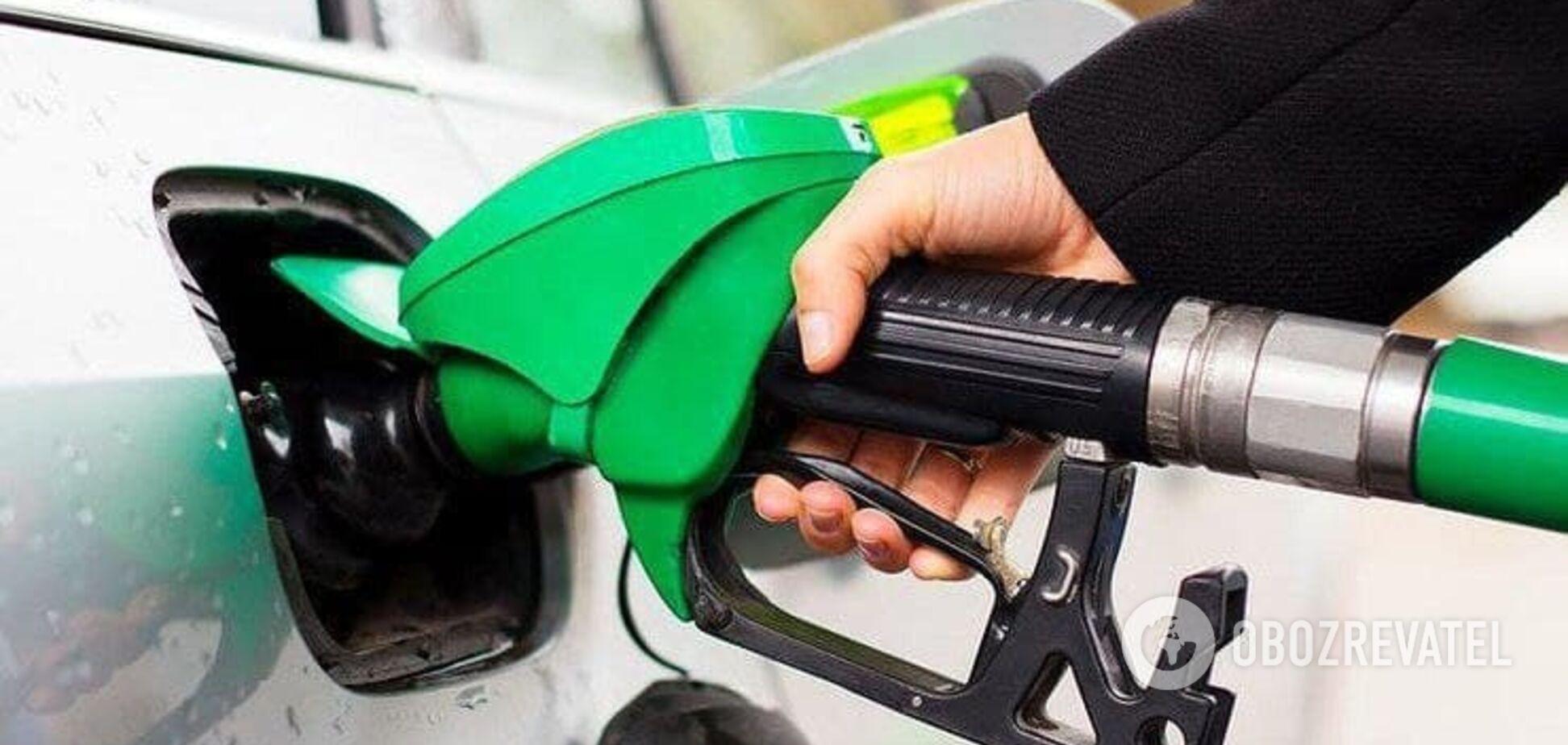 Кабмін перерахував ціни на бензин на АЗС за формулою 'Роттердам+'