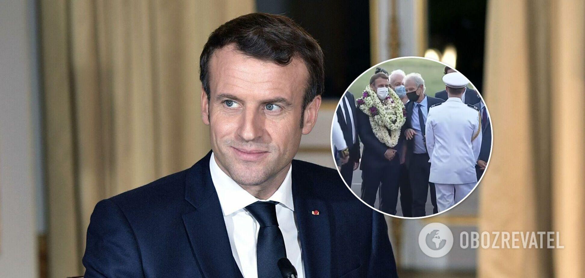 Макрона у Французькій Полінезії завішали вінками і назвали 'великим вождем'. Відео