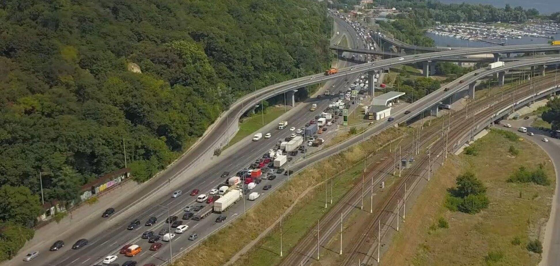 Пробки міст Кирпи та Патона