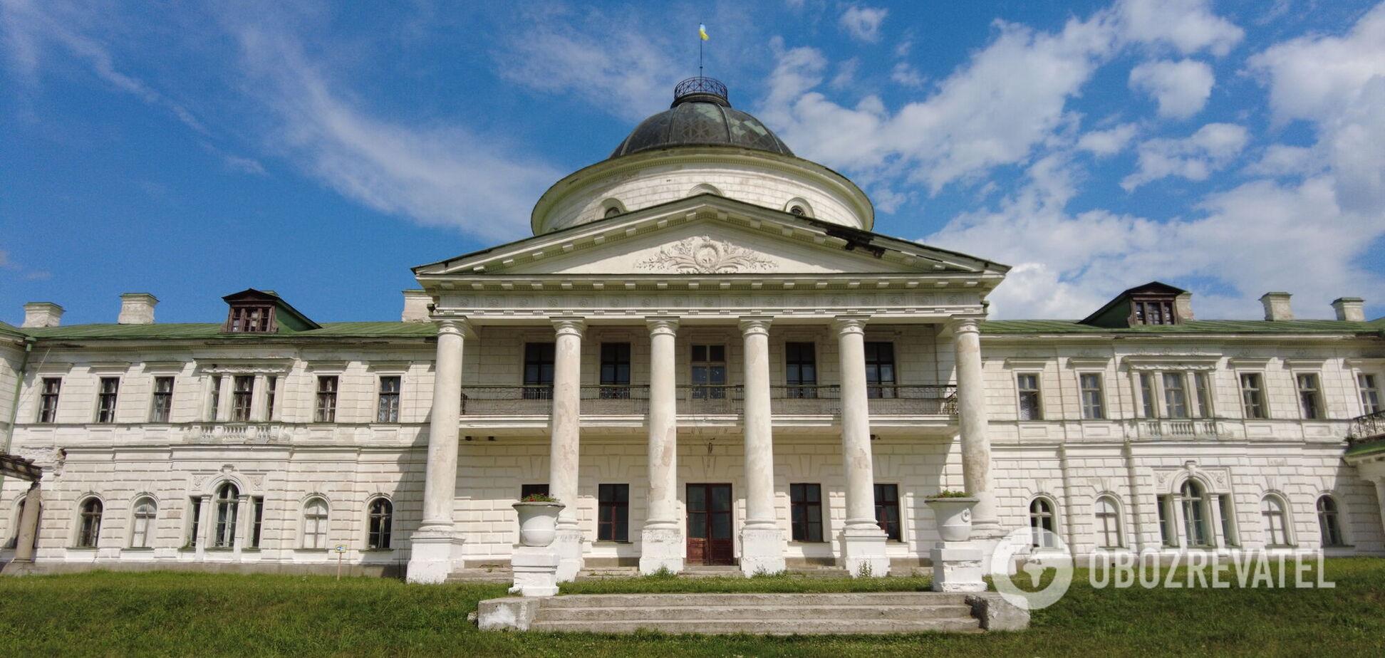 Розкіш, яка збереглась до сьогодні: чому варто поїхати у Качанівку на Чернігівщині