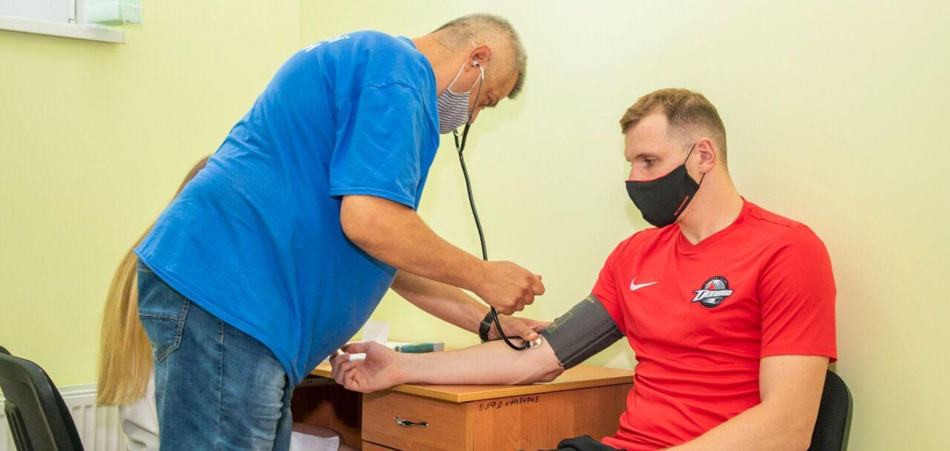 Гравці основної команди ХК 'Донбас' пройшли медичний огляд