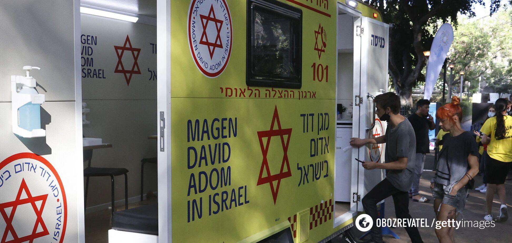 Ізраїль першим в світі почав вакцинацію від COVID-19 третьої дозою