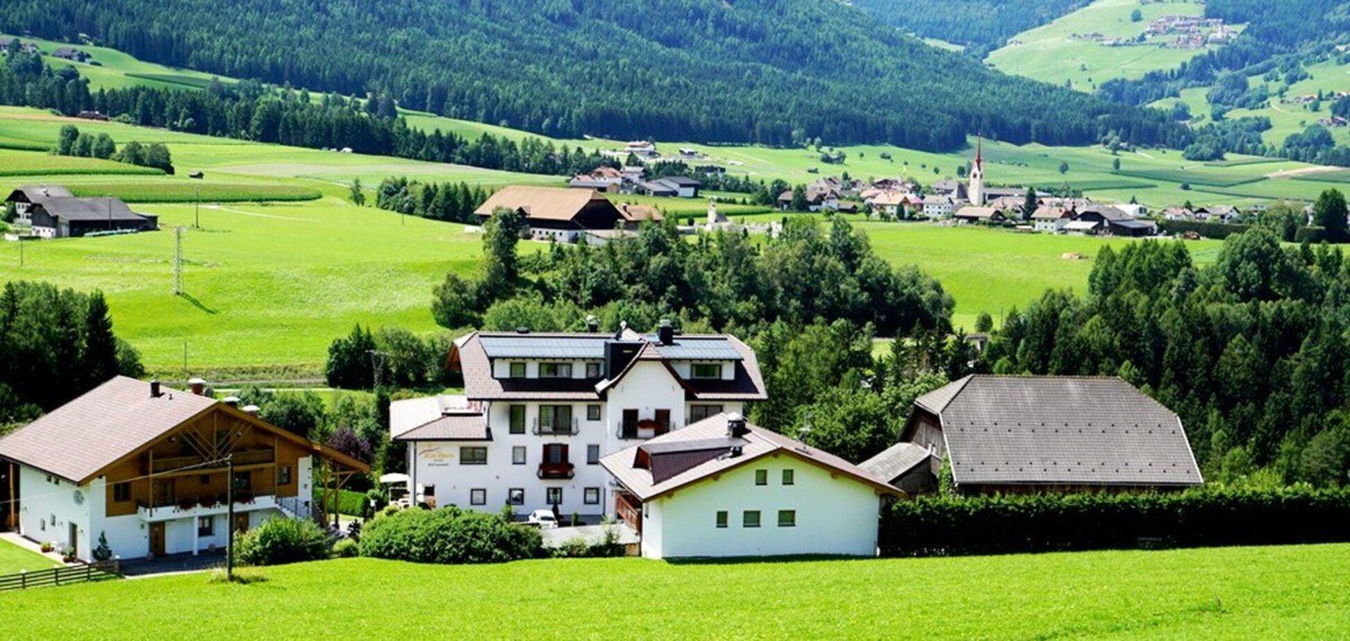 В італійському селі туристи можуть безкоштовно переночувати в старих будинках