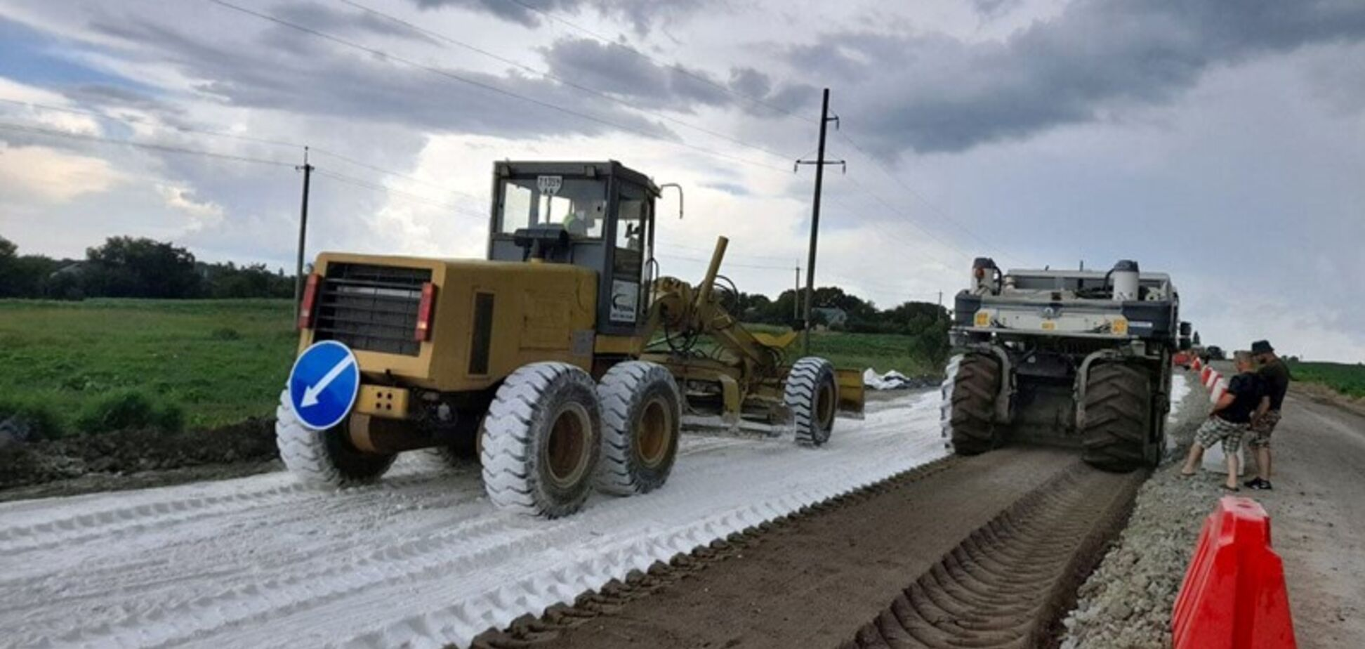 На Черкащині продовжили роботи із капітального ремонту ділянки траси Н-02/М-06