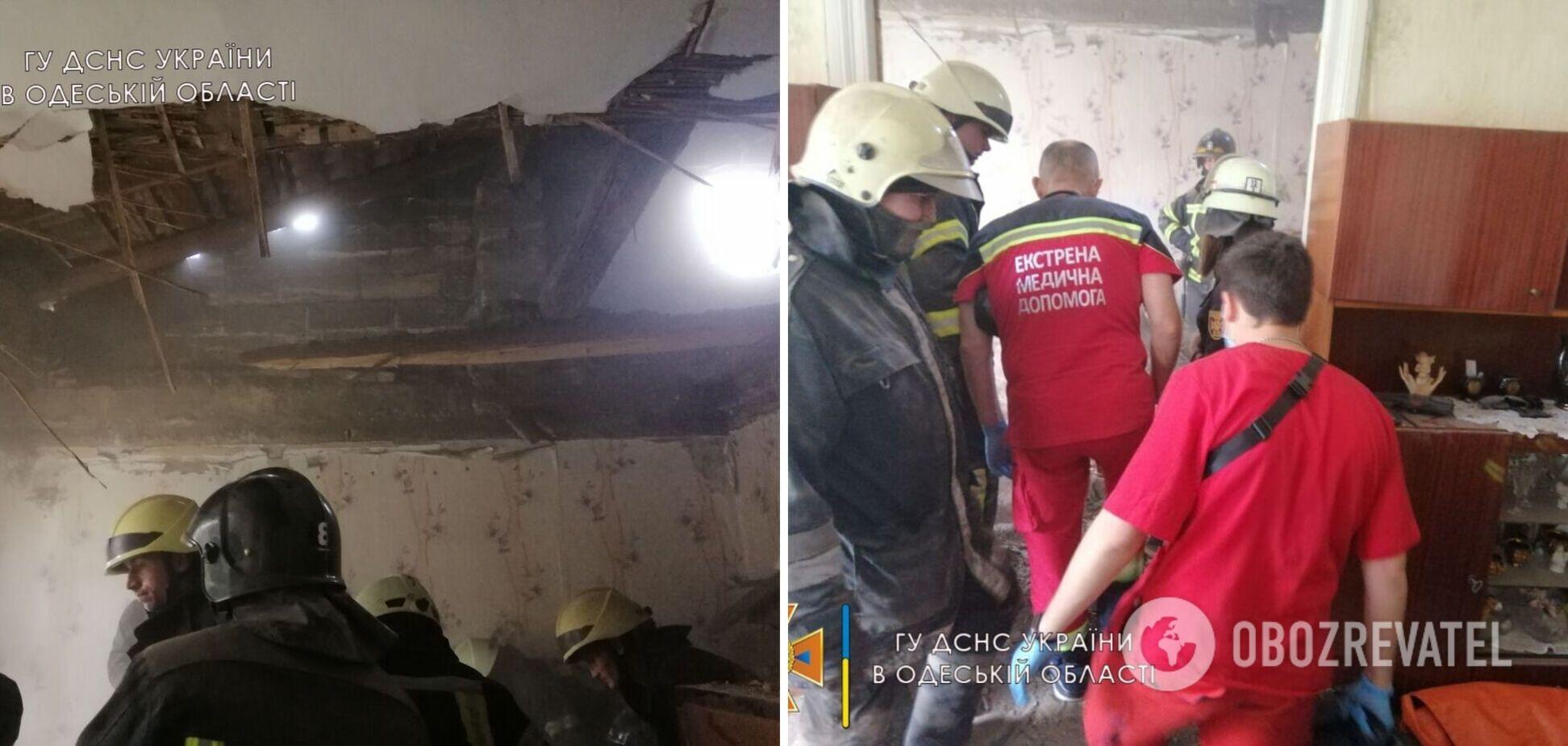 В Одессе обрушился потолок в жилом доме, обломки погребли пожилую женщину. Фото