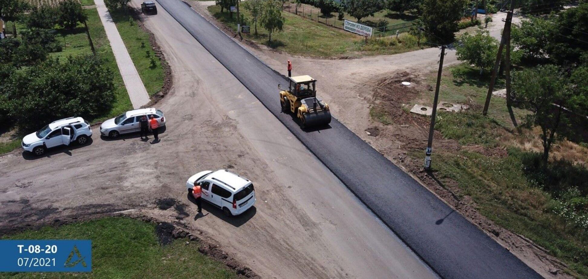 В Запорожской области ремонтируют дорогу Т-08-20