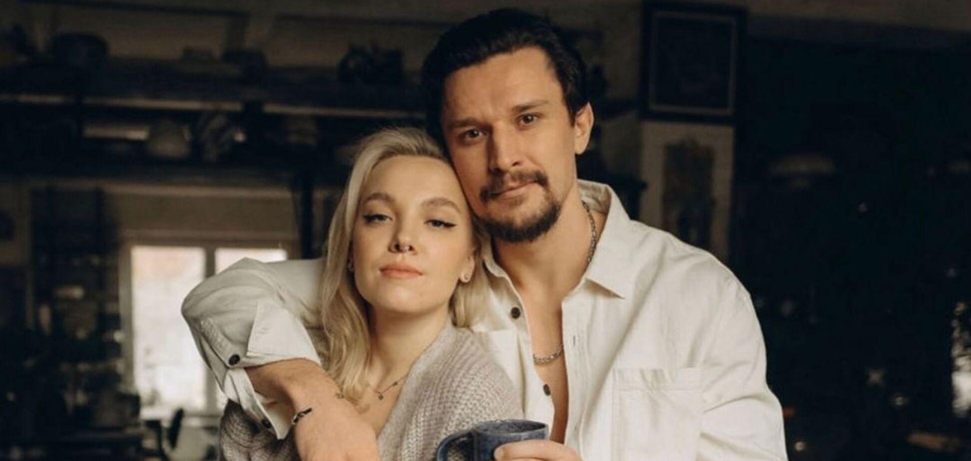 Секс-символ українського кіно Тарас Цимбалюк одружився зі своєю коханою Тіною. Фото