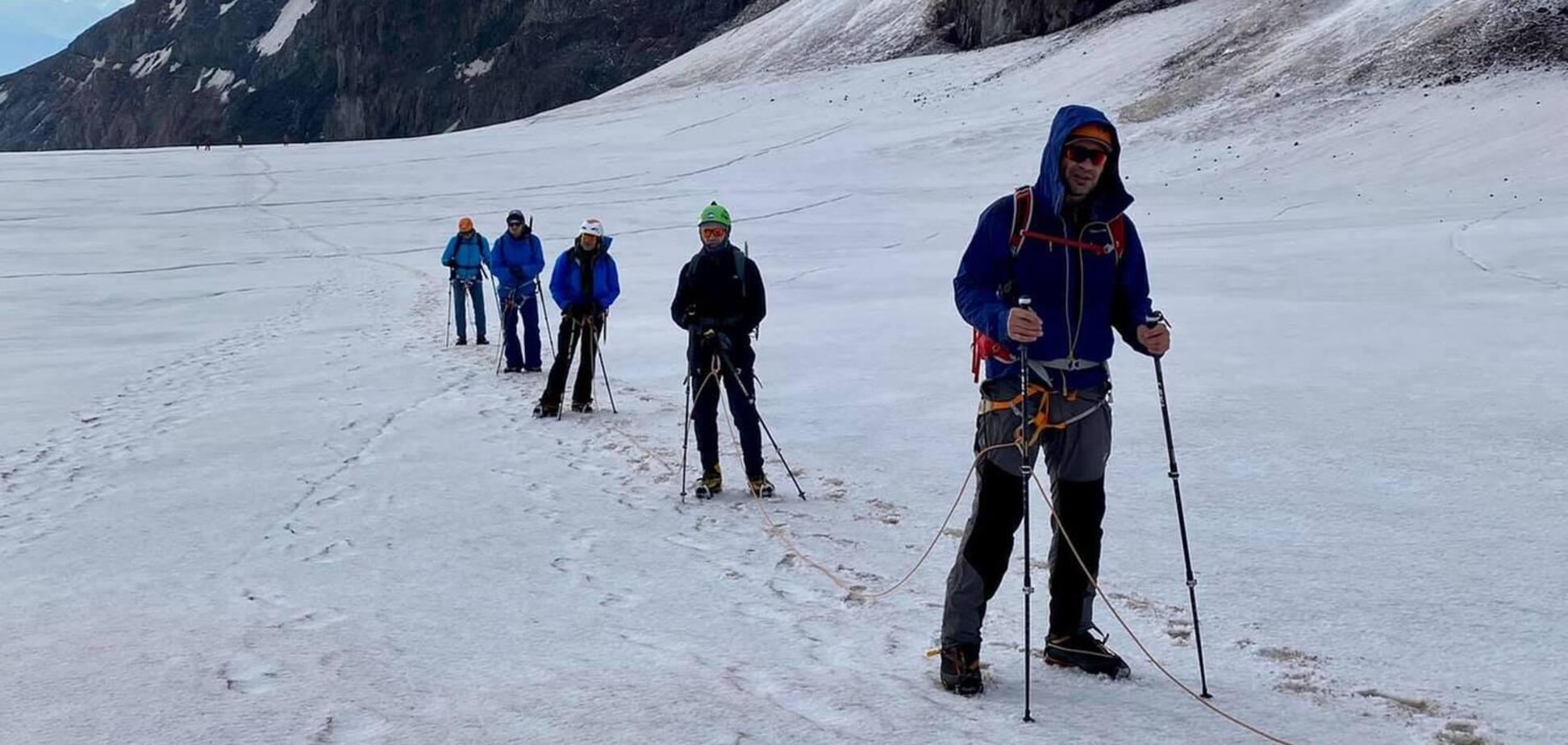 Кличко совершил уникальное восхождение на гору Казбек. Фото