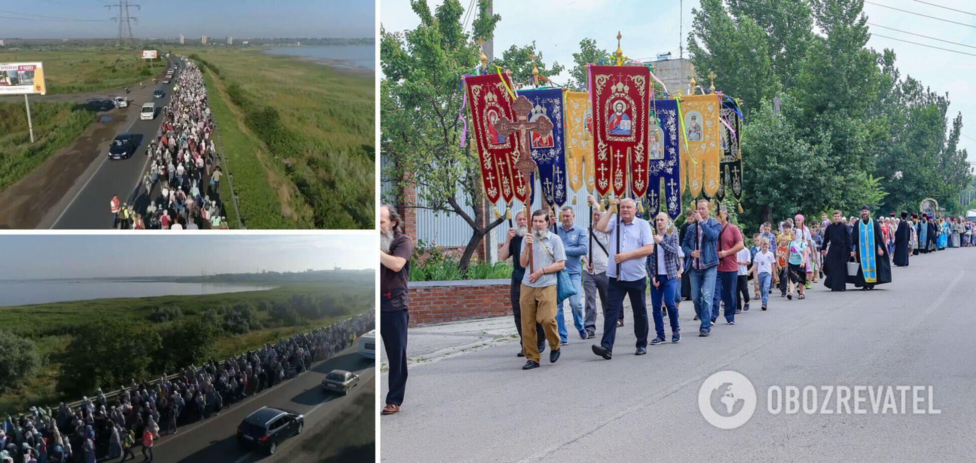 Под Одессой транспортный коллапс из-за крестного хода верующих. Фото, видео