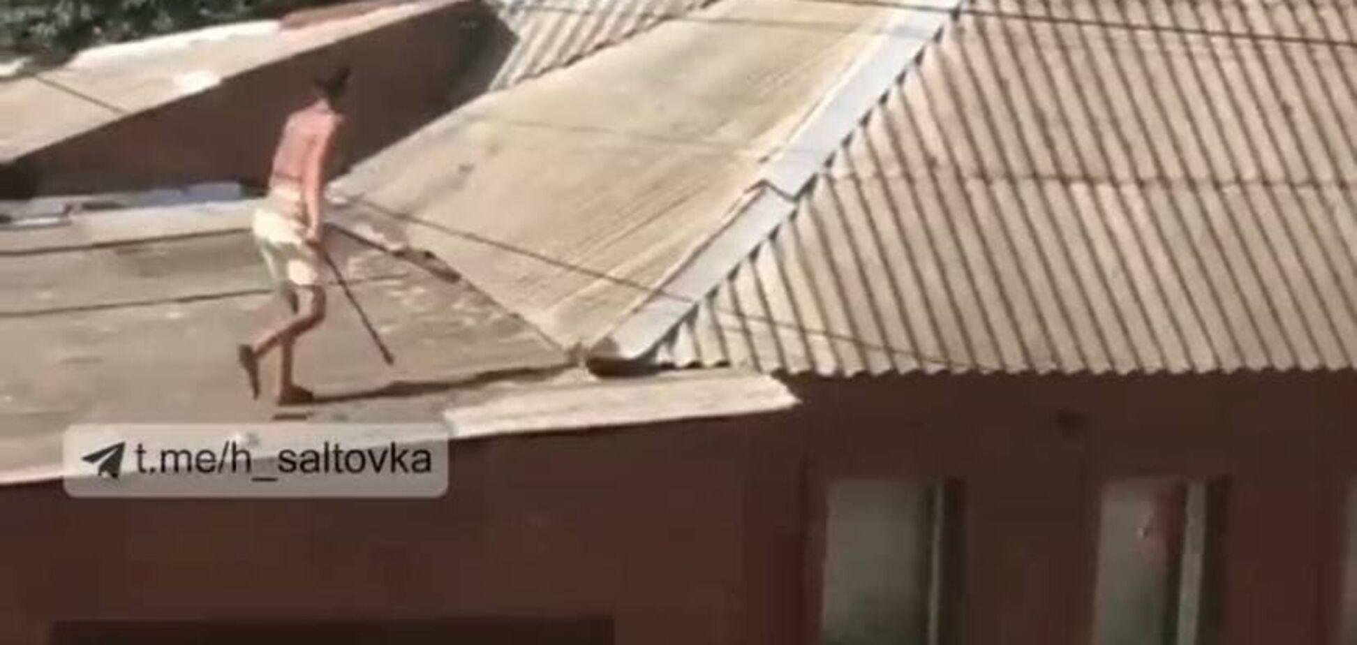 У Харкові напівголий чоловік влаштував бійку з поліцією