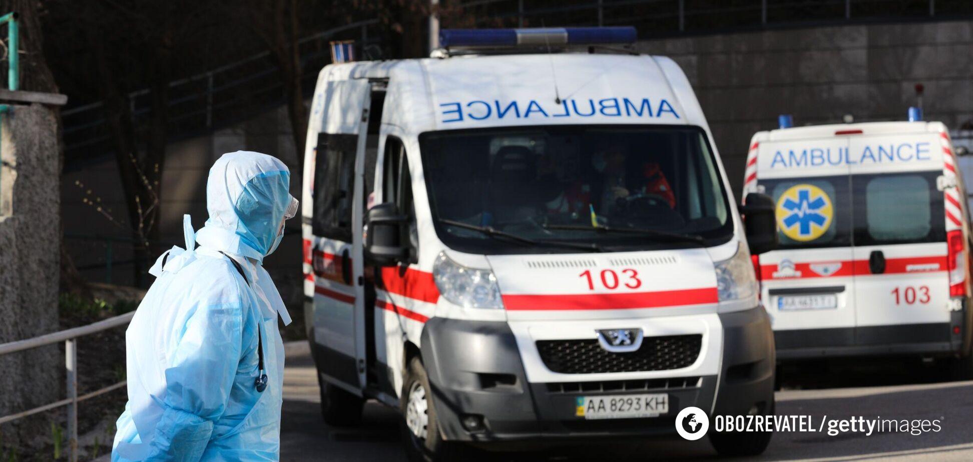 У Києві від COVID-19 померла жінка, яка раніше зробила щеплення. Всі подробиці