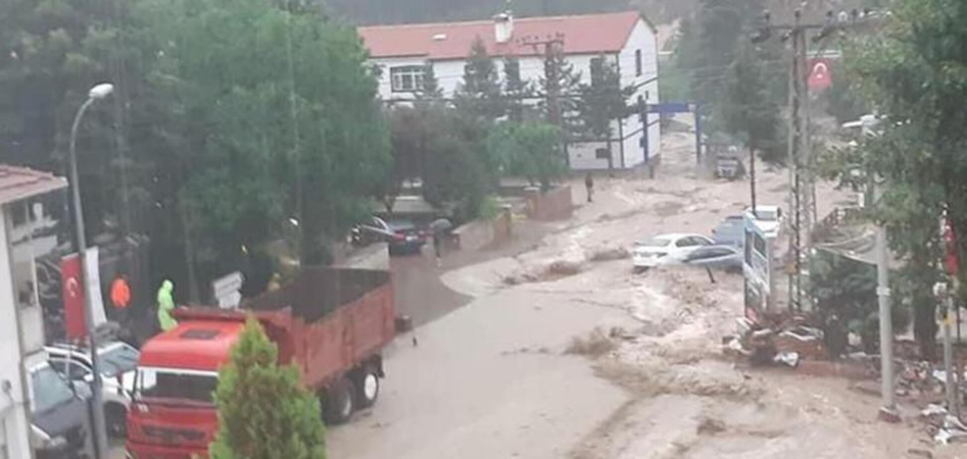 Після лісових пожеж Туреччина потерпає через паводки