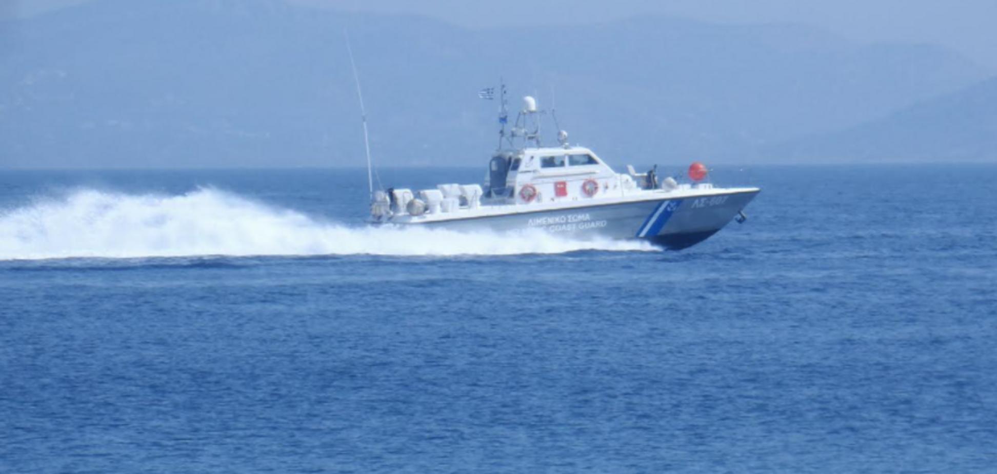 У Греції затонуло судно з туристами