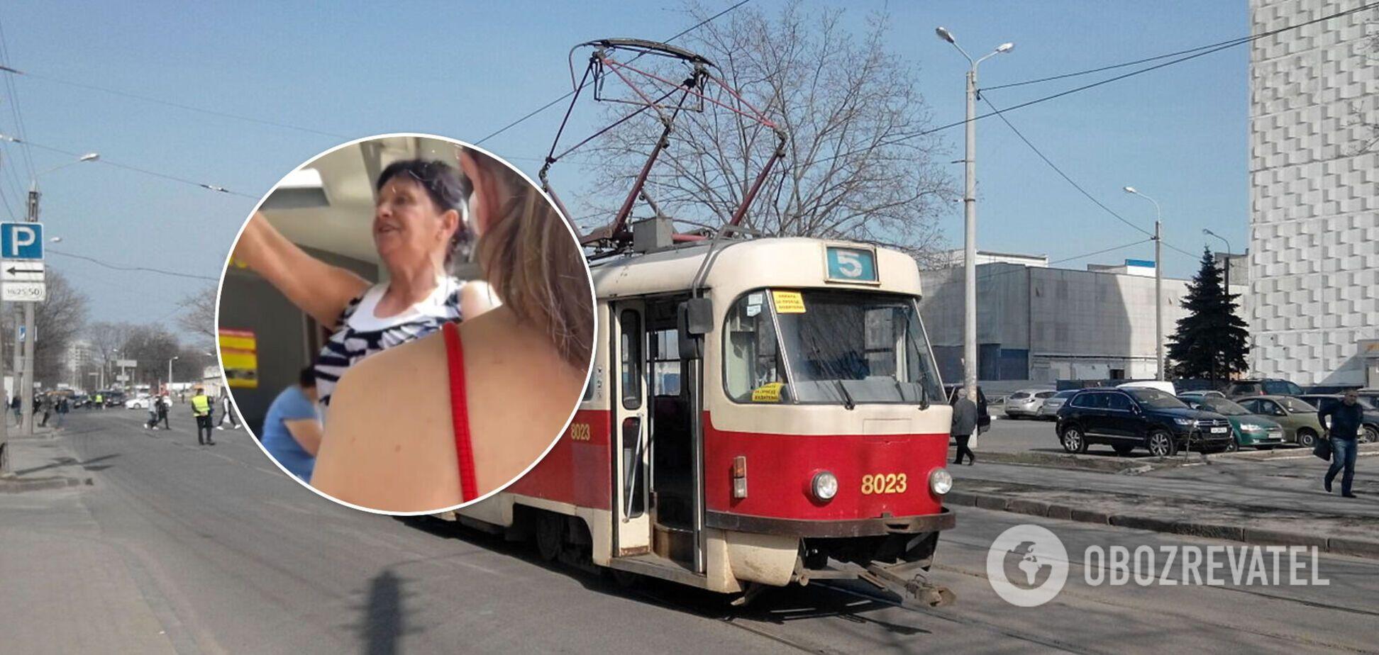 У Харкові кондукторка влаштувала в трамваї скандал: вчила користуватися електронними квитками. Відео