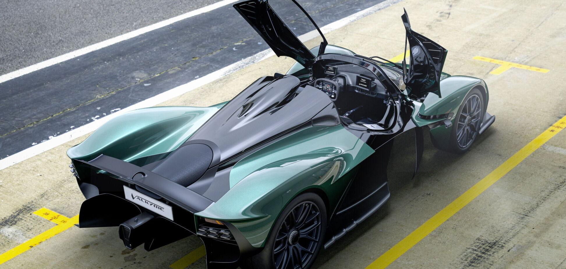 Aston Martin показал двухместный гиперкар Valkyrie Spider
