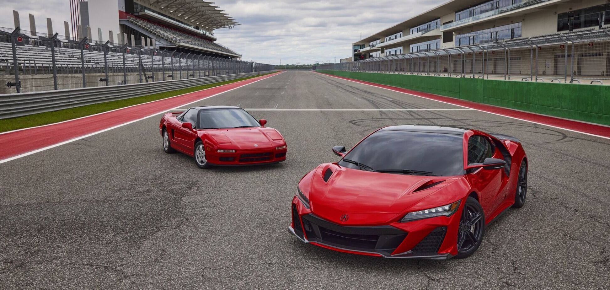Acura рассекретила все данные нового суперкара NSX. Видео