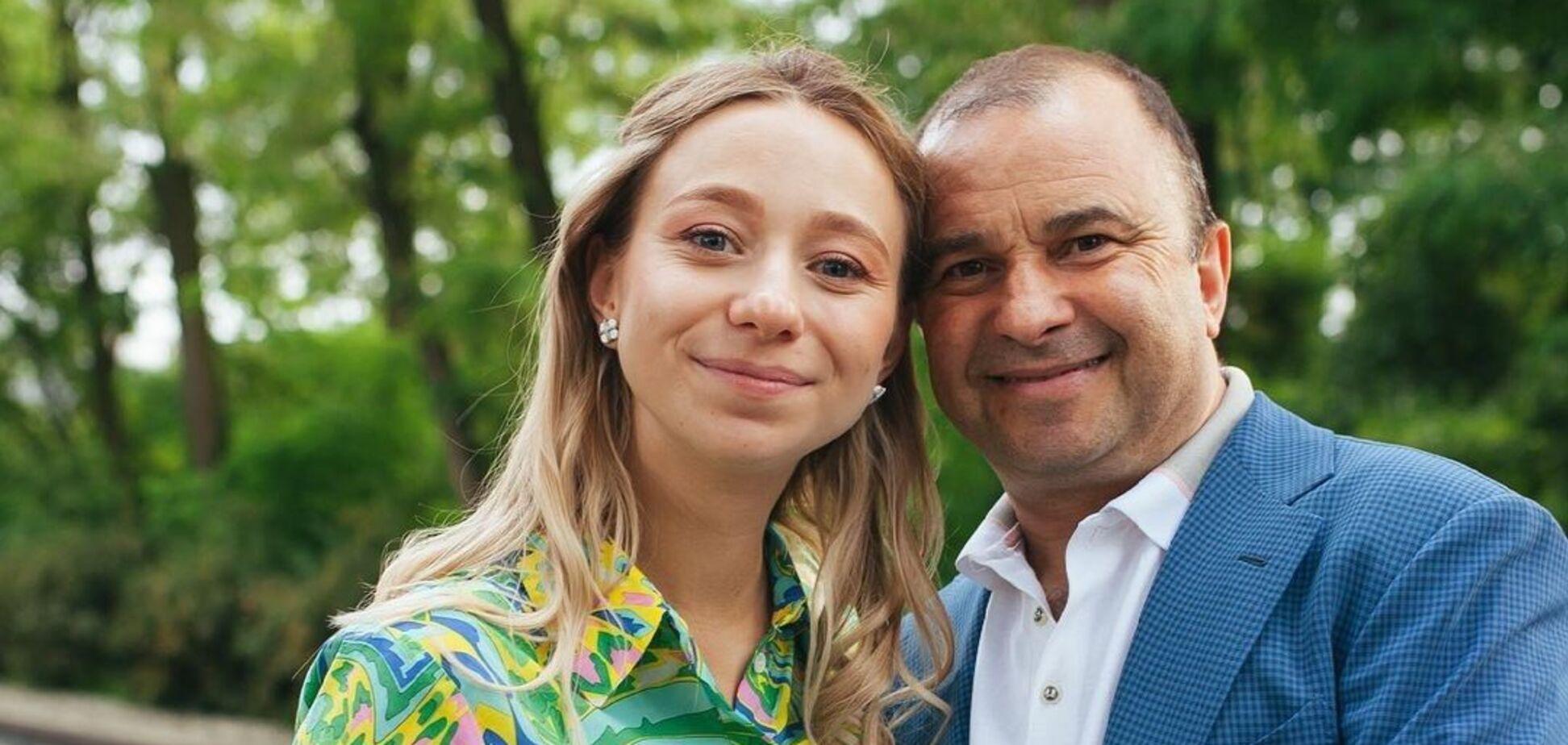 Віктор Павлік розкрив правду про сварки з молодою дружиною
