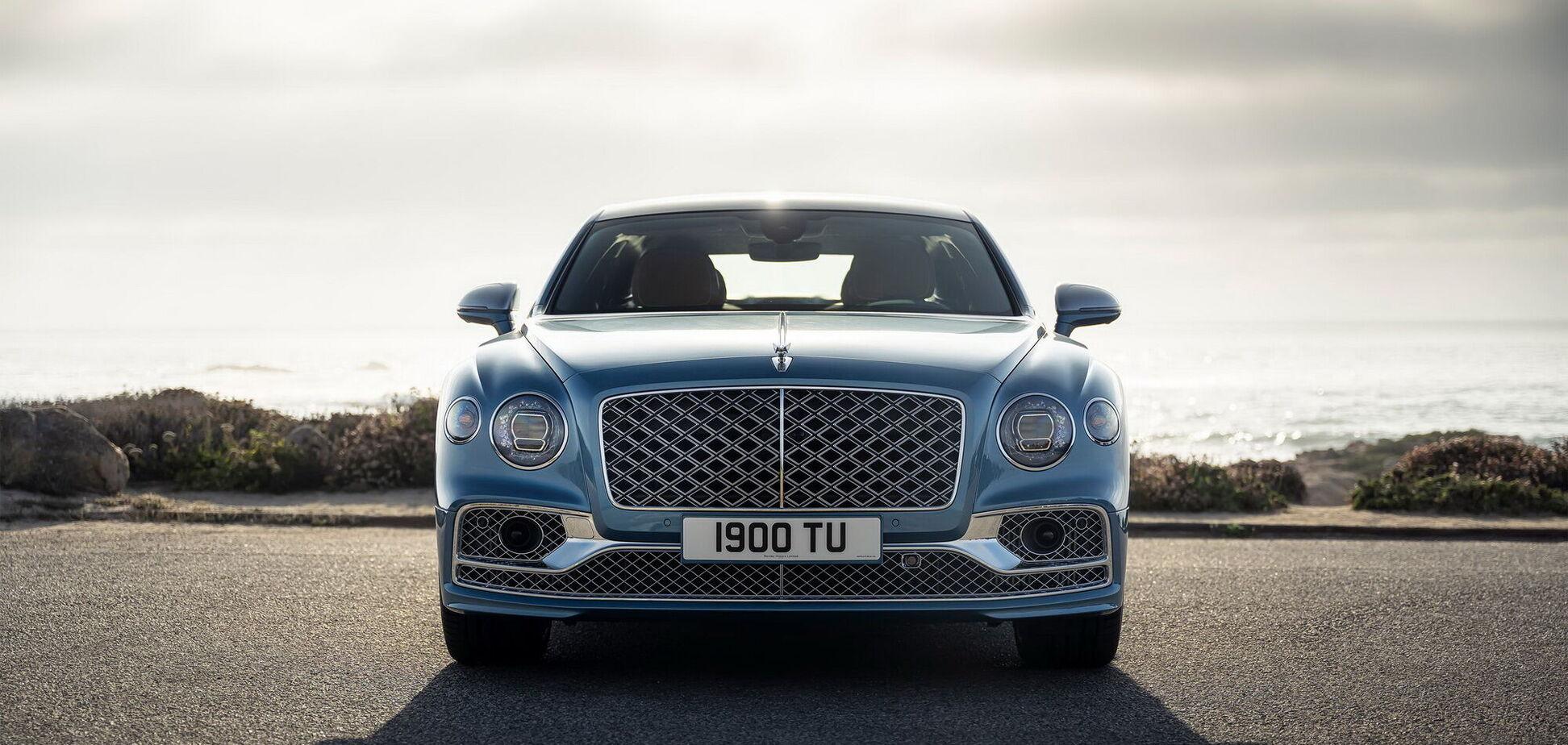 Bentley показала в США эксклюзивный седан Flying Spur