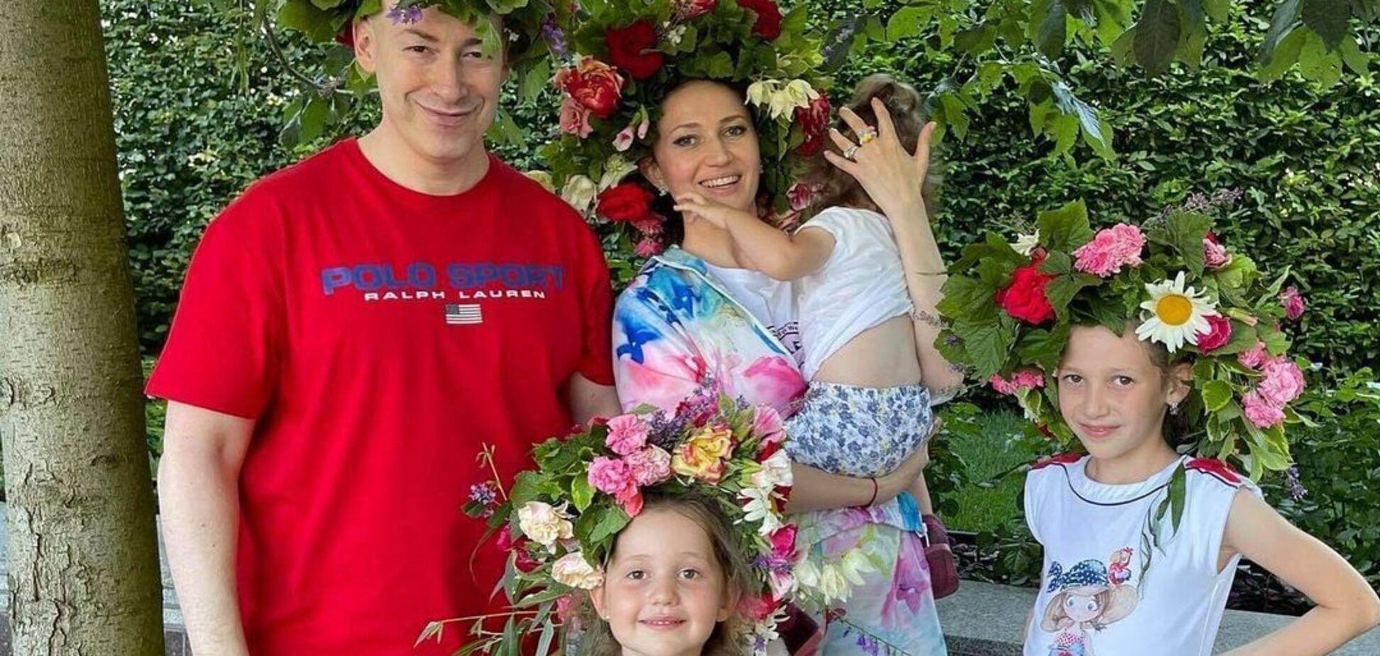 Дмитрий Гордон похвастался семейными снимками на море с детьми