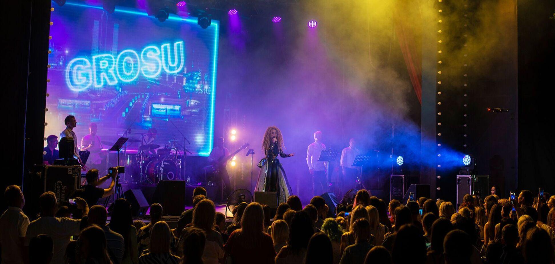 Украинская певица Алина Гросу дала большой концерт в Одессе. Фото