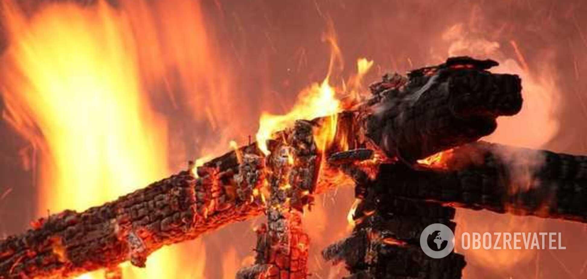 У центрі Запоріжжя загорівся житловий будинок
