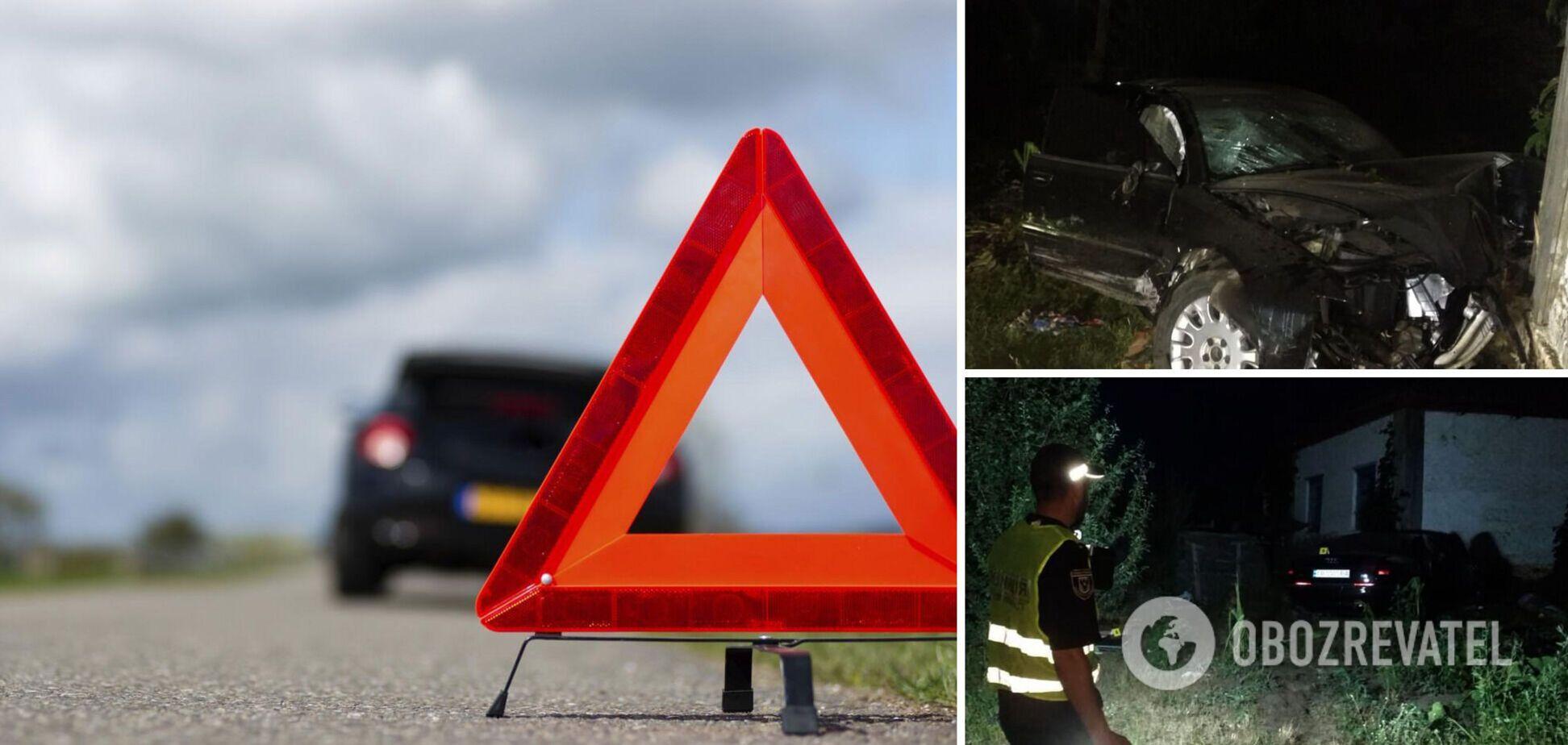 На Чернігівщині авто на швидкості влетіло в будинок, загинули дві людини. Фото і відео