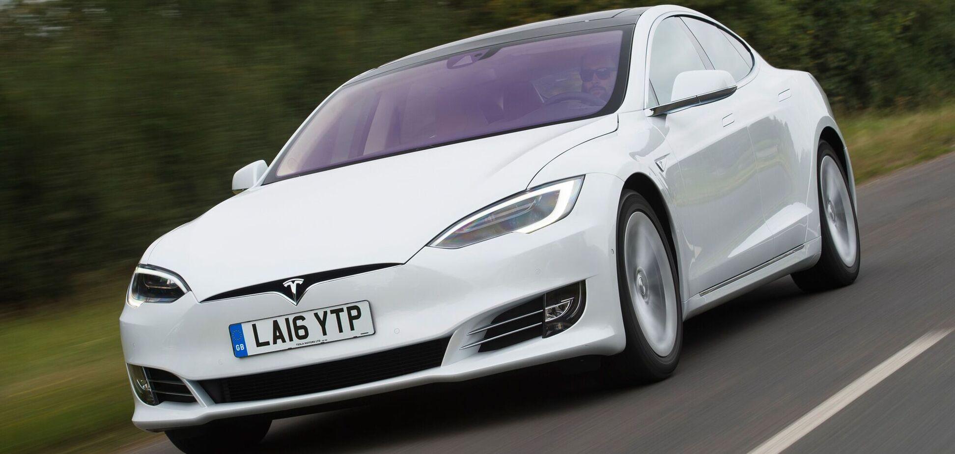 Автопилот Tesla спас пьяного драйвера. Видео