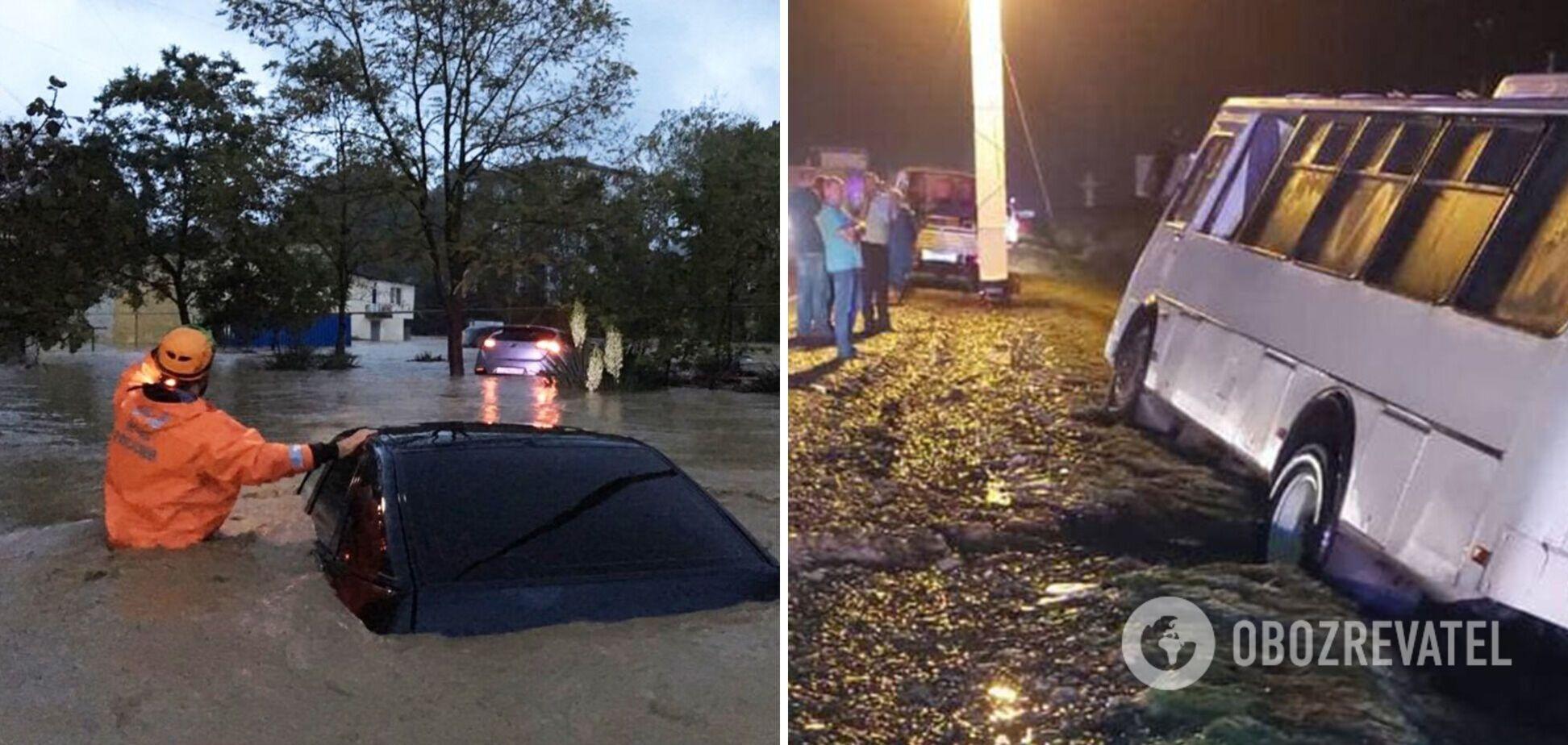 В России ветер вырвал с корнем деревья, а ливень затопил трассы. Фото и видео